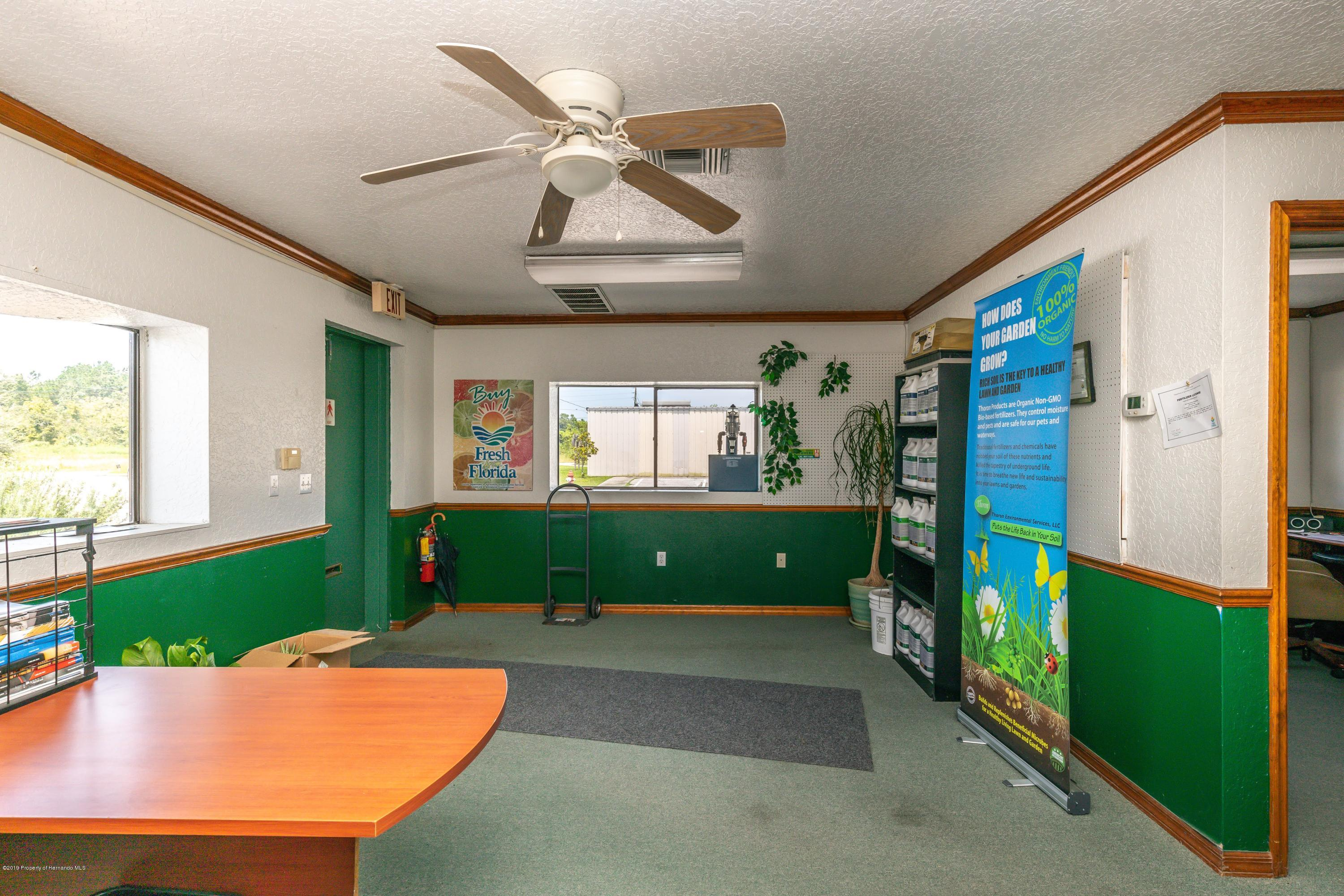 Listing photo id 16 for 1665 Donto Way