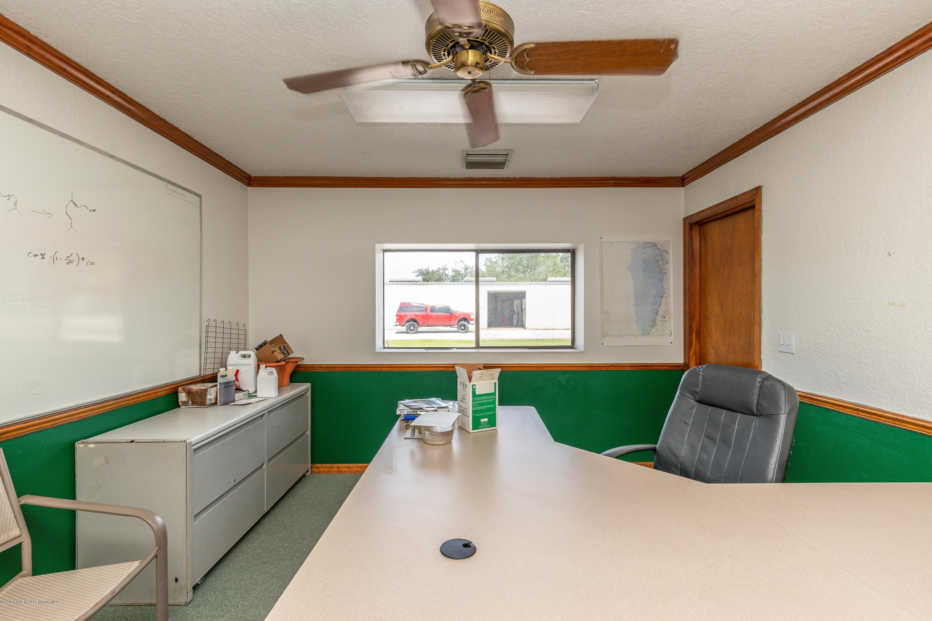 Listing photo id 26 for 1665 Donto Way