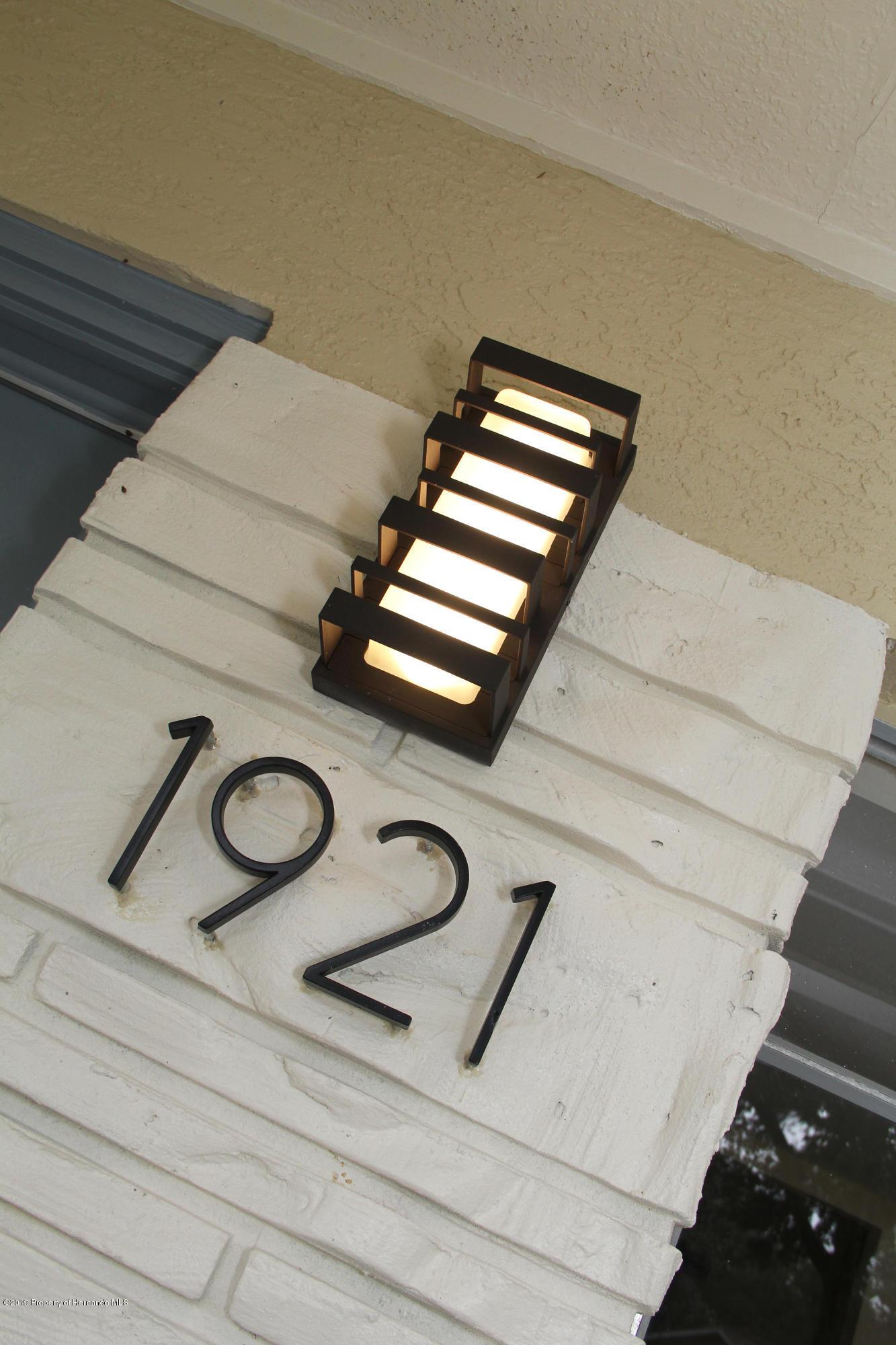 1921 Ne 49th Avenue
