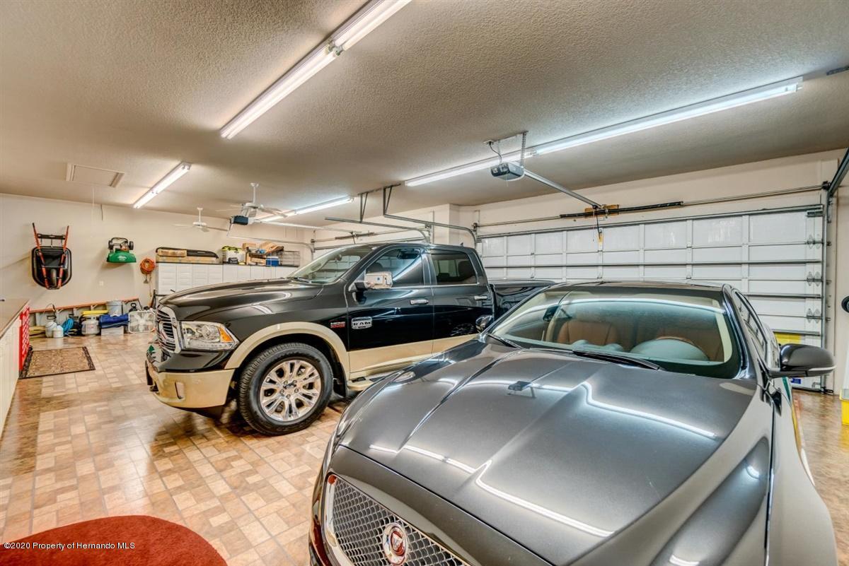 Lisitng Image number32 for 7305 Royal Oak Drive