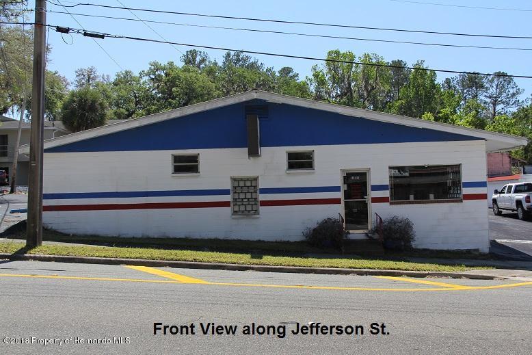 Listing photo id 4 for 315 W Jefferson Street