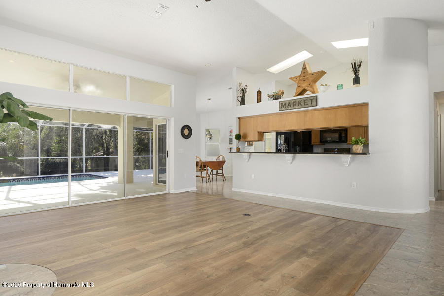 Image 4 For 11276 Woodland Waters Boulevard