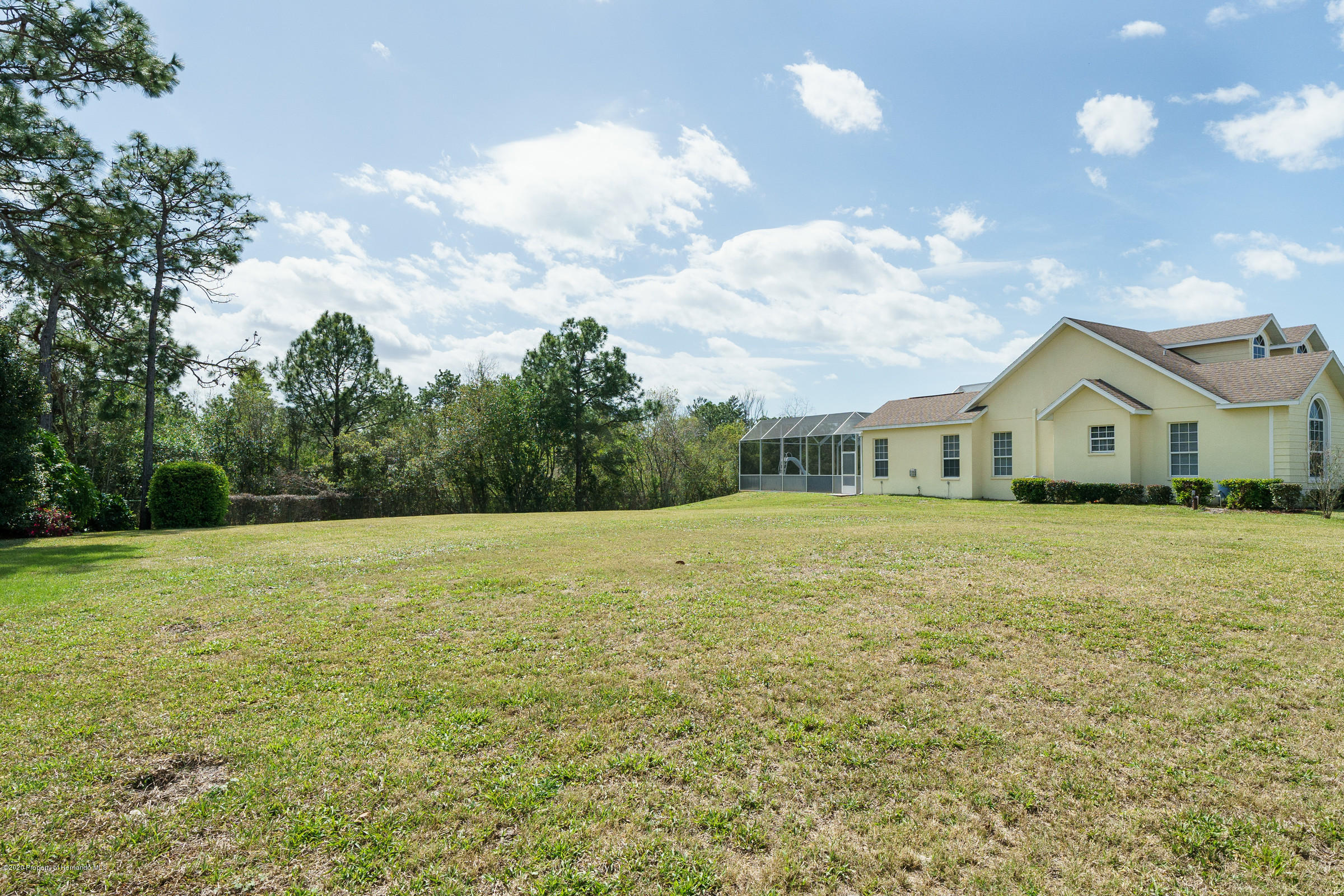 Listing photo id 3 for 8752 Mississippi