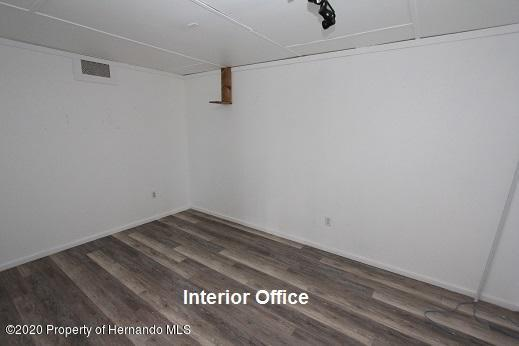 Listing photo id 8 for 22287 Cortez Boulevard .