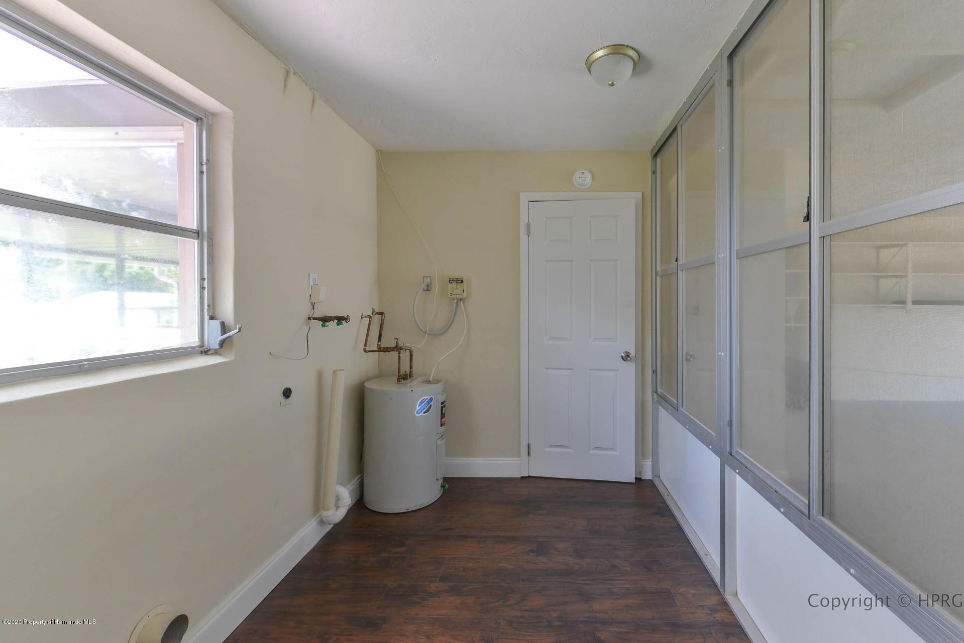 Lisitng Image number23 for 205 S Barbour Street