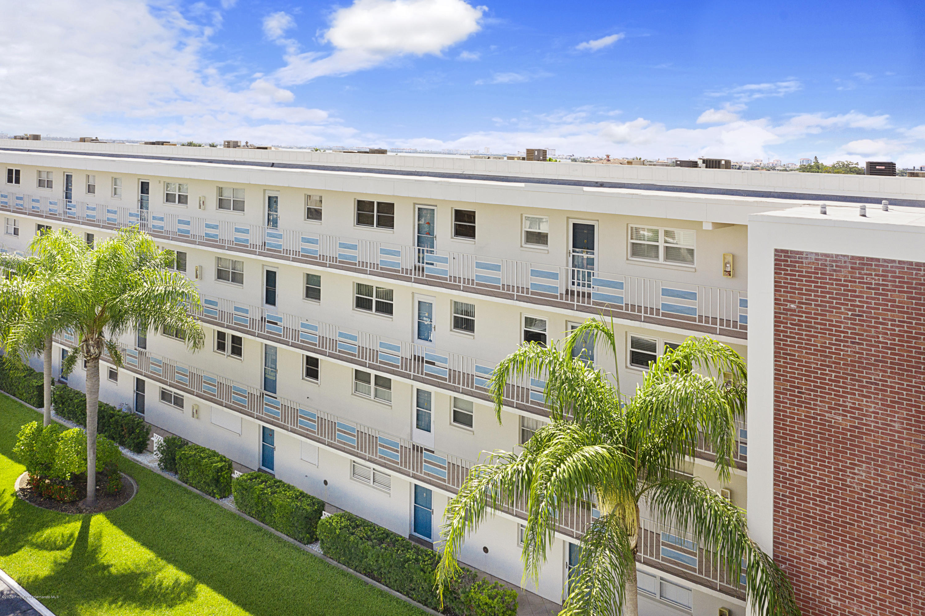 Image 2 For 5555 Gulf Boulevard 303