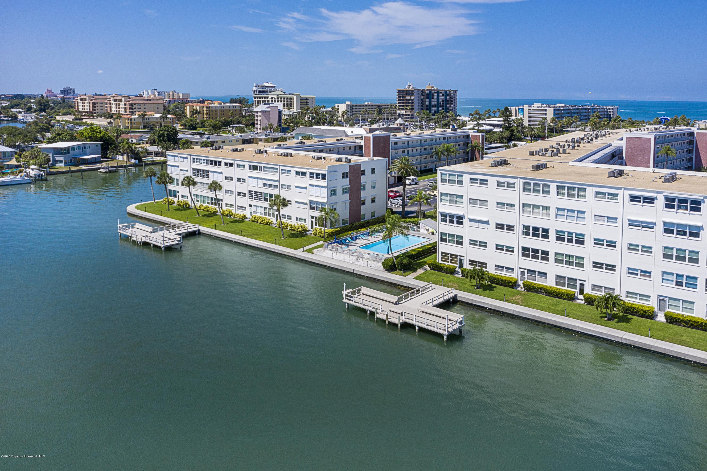 Image 4 For 5555 Gulf Boulevard 303