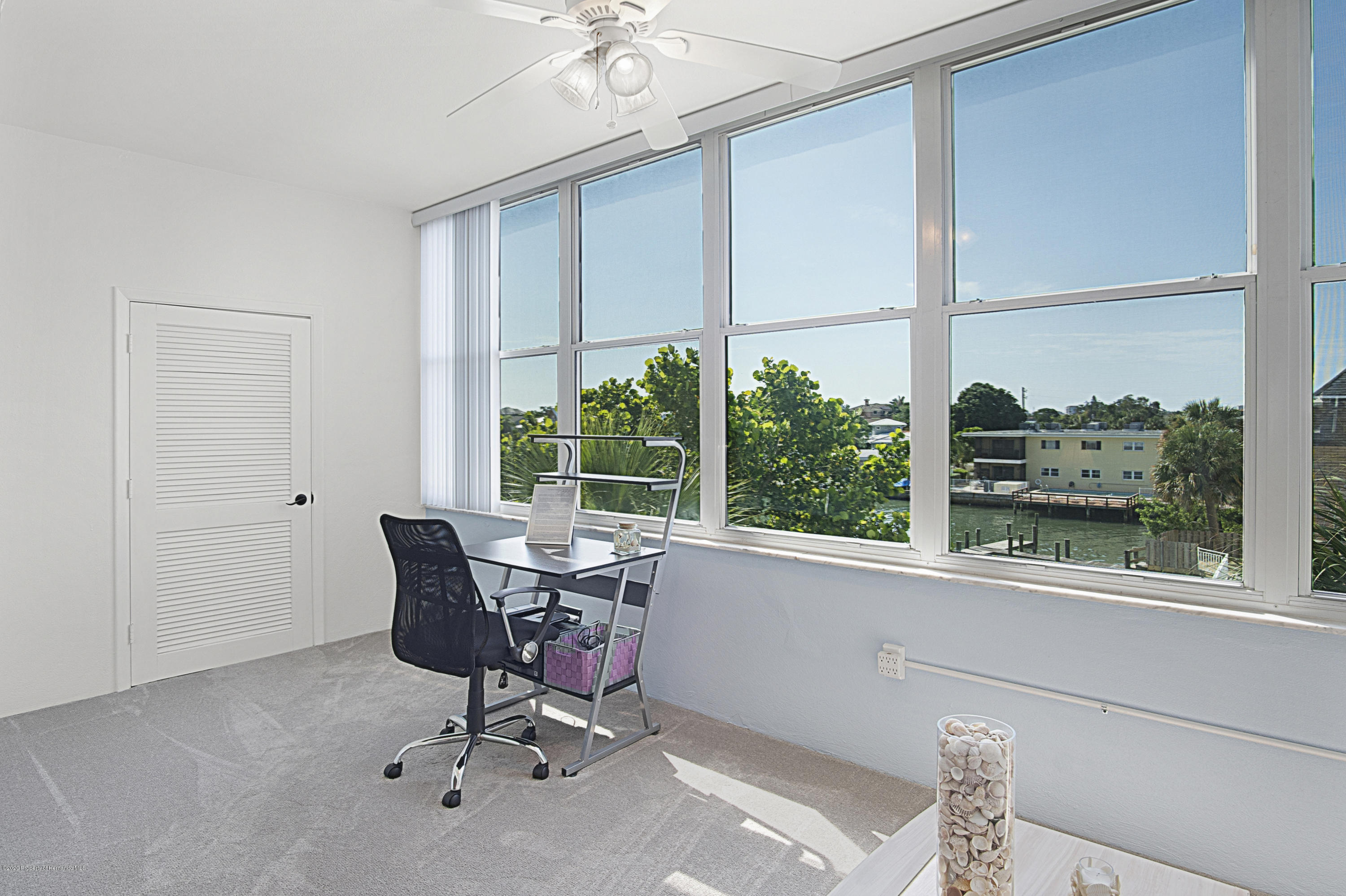 Image 10 For 5555 Gulf Boulevard 303