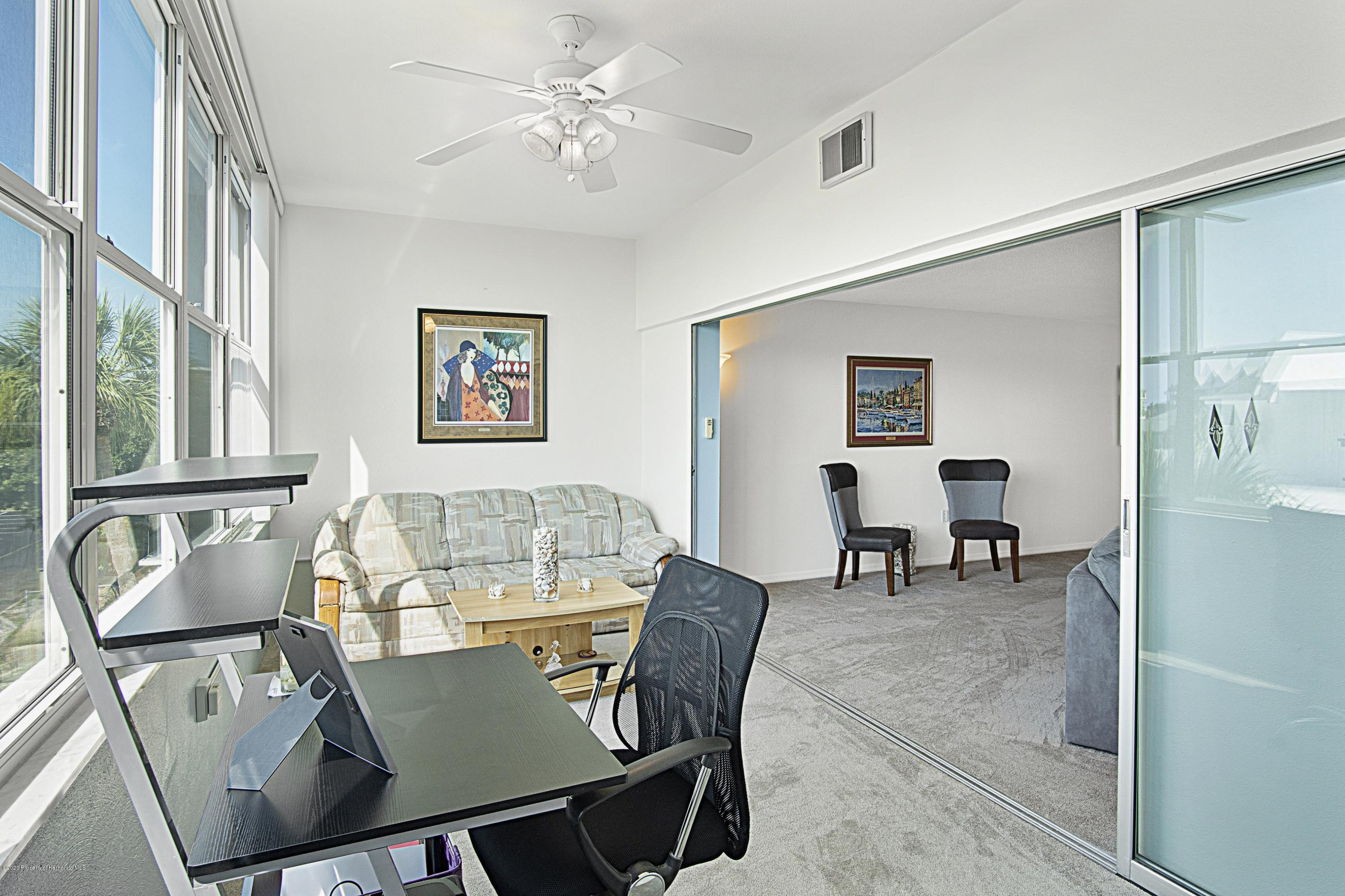 Image 11 For 5555 Gulf Boulevard 303