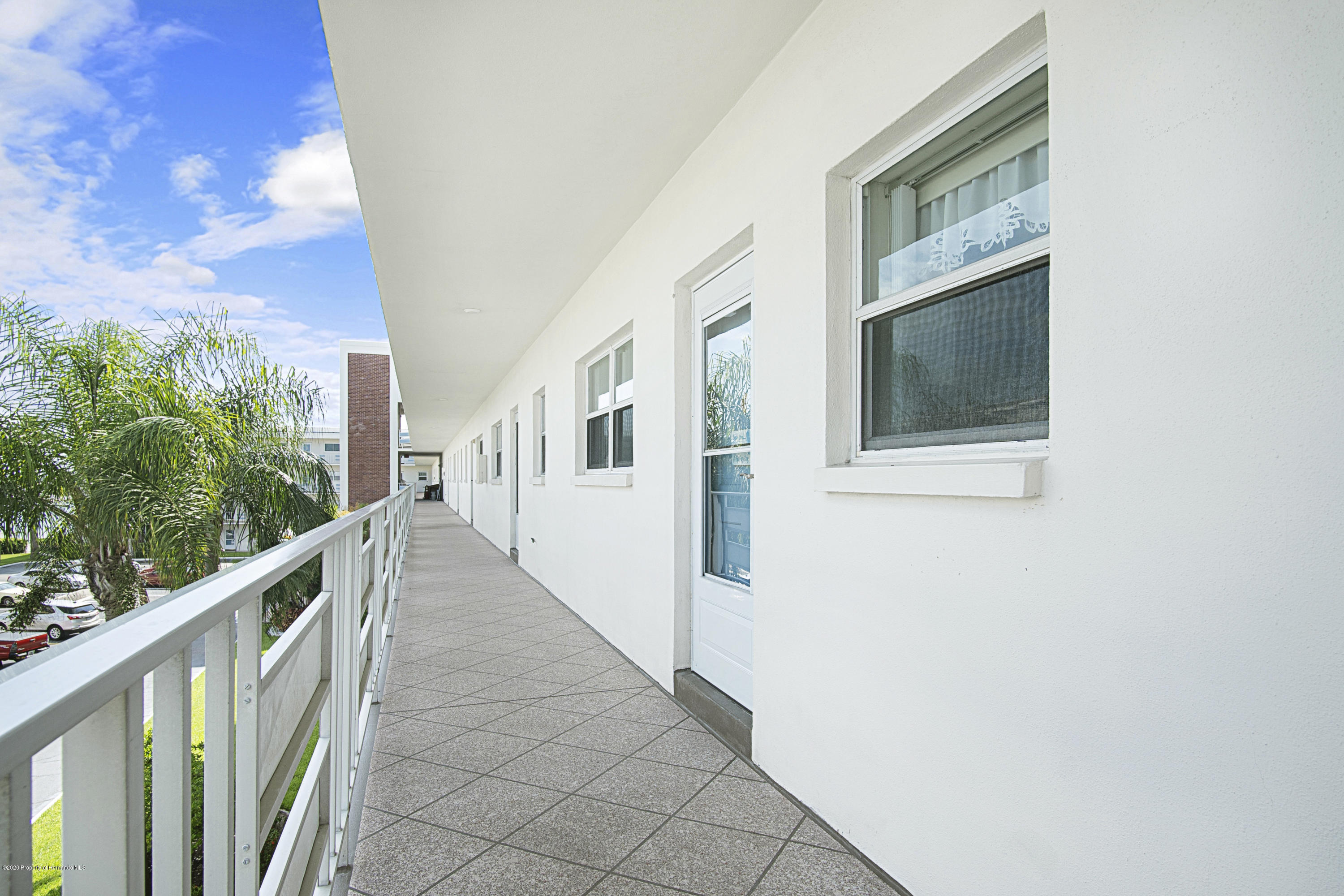 Image 20 For 5555 Gulf Boulevard 303