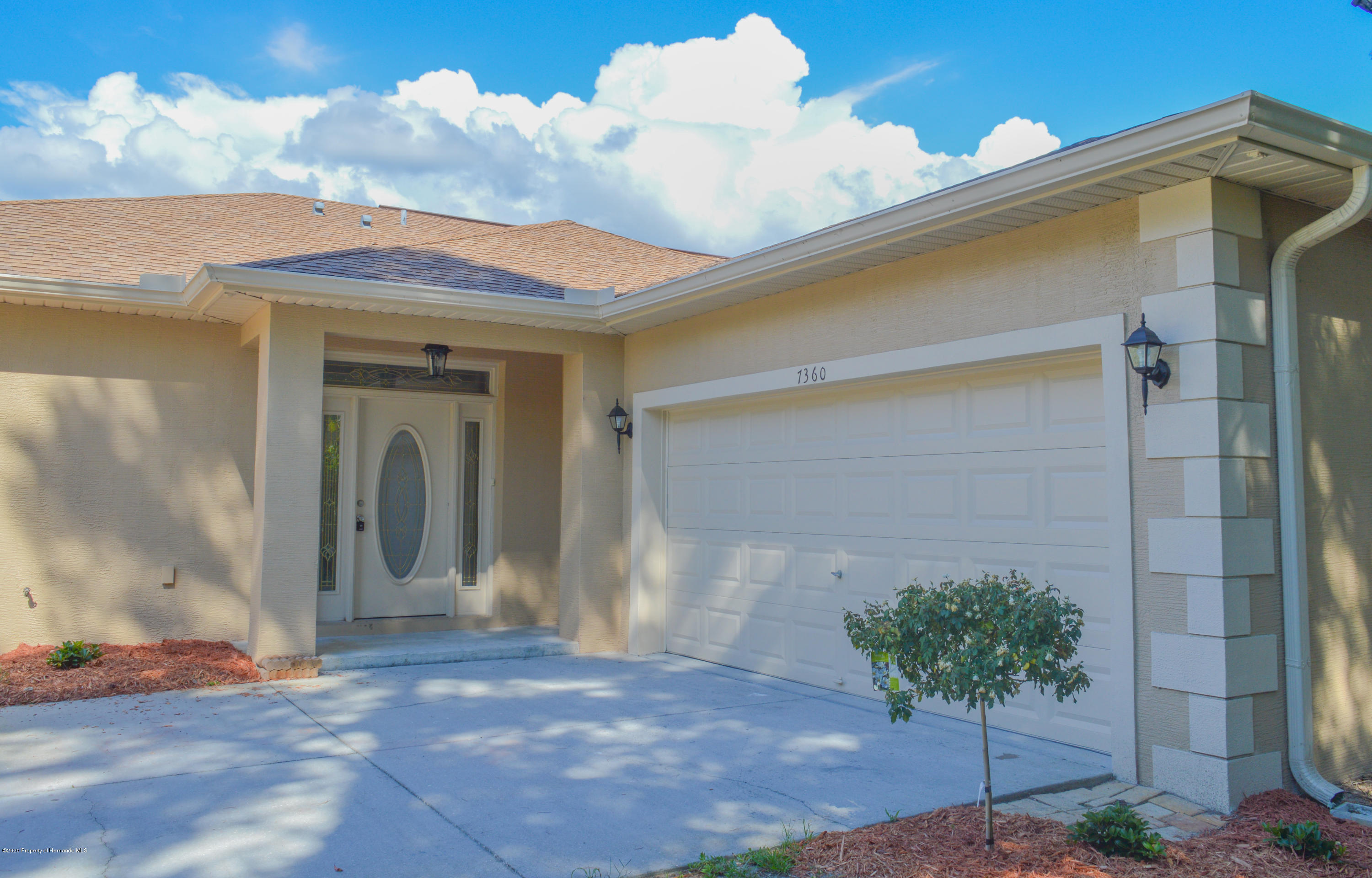 7360 Madrid Road, Weeki Wachee, FL 34613