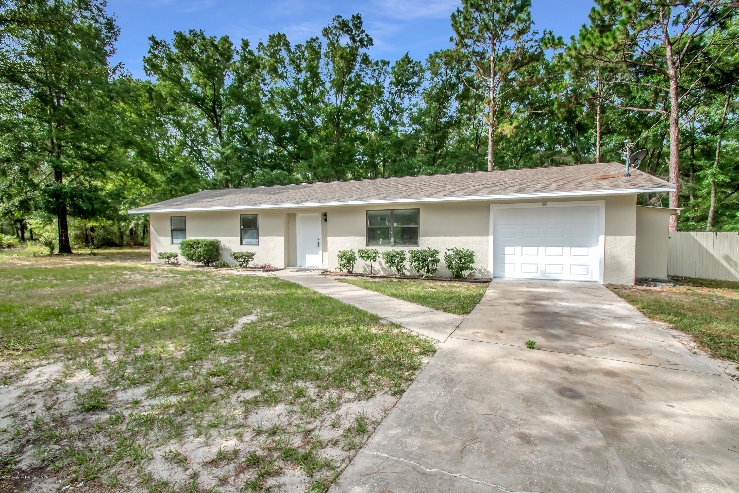 8250 W Vincent Lane, Crystal River, FL 34428