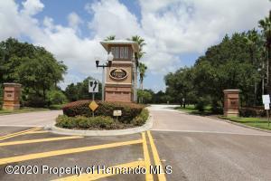 Entrance to Hernando Oaks