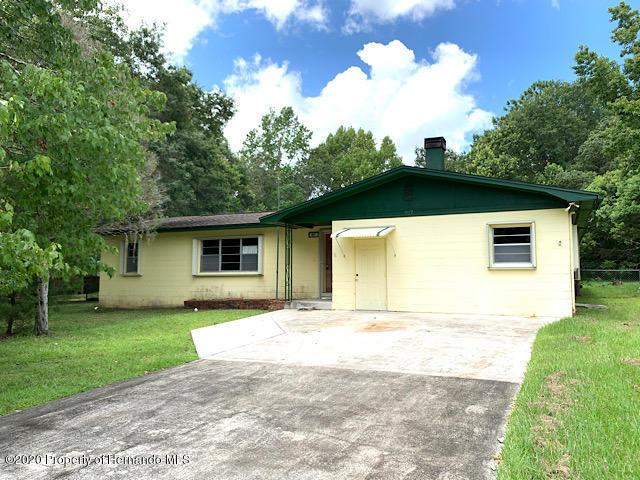 907 Whiteway Drive, Brooksville, FL 34601