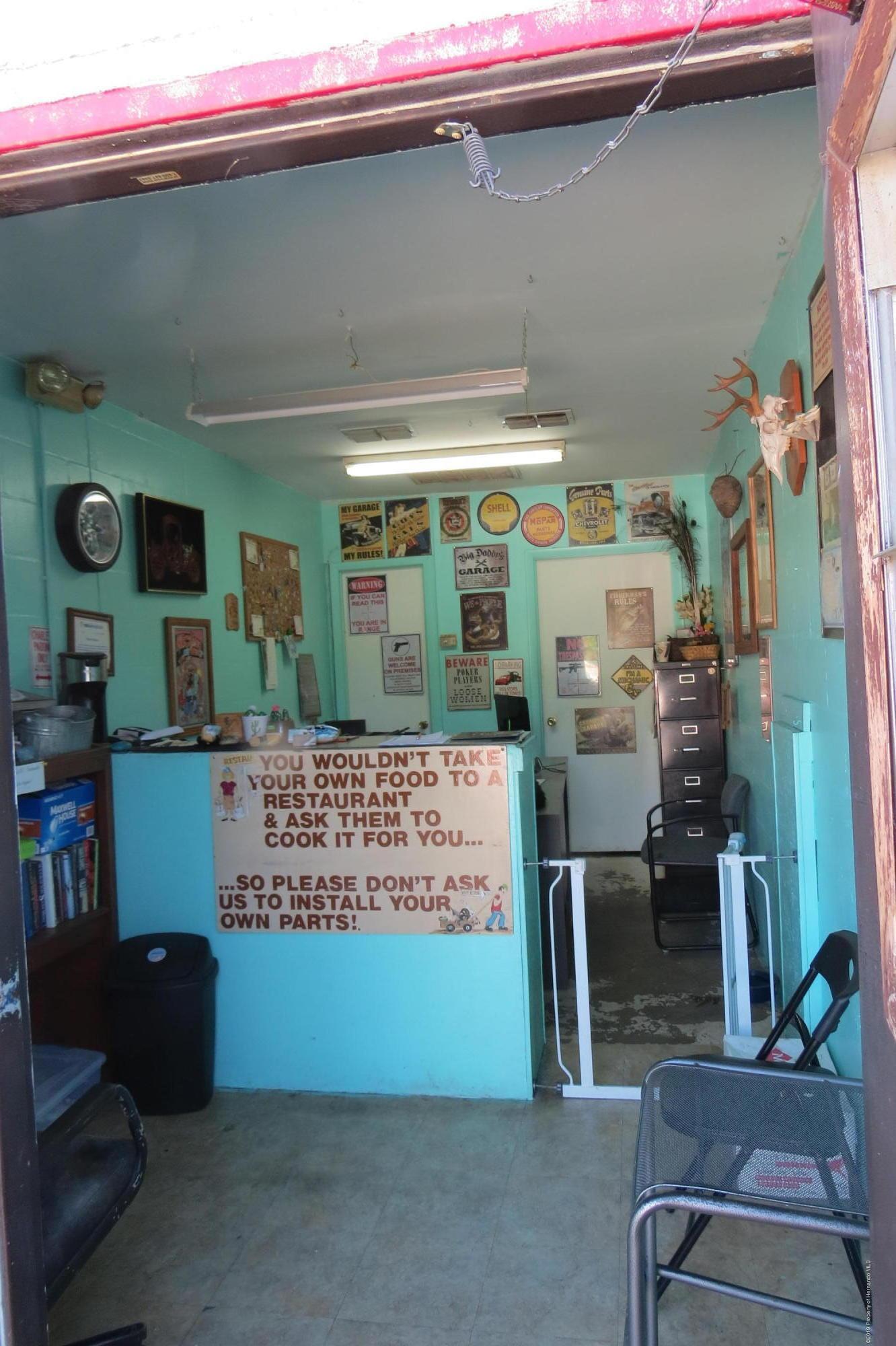 Listing photo id 6 for 1134 Ponce De Leon Boulevard