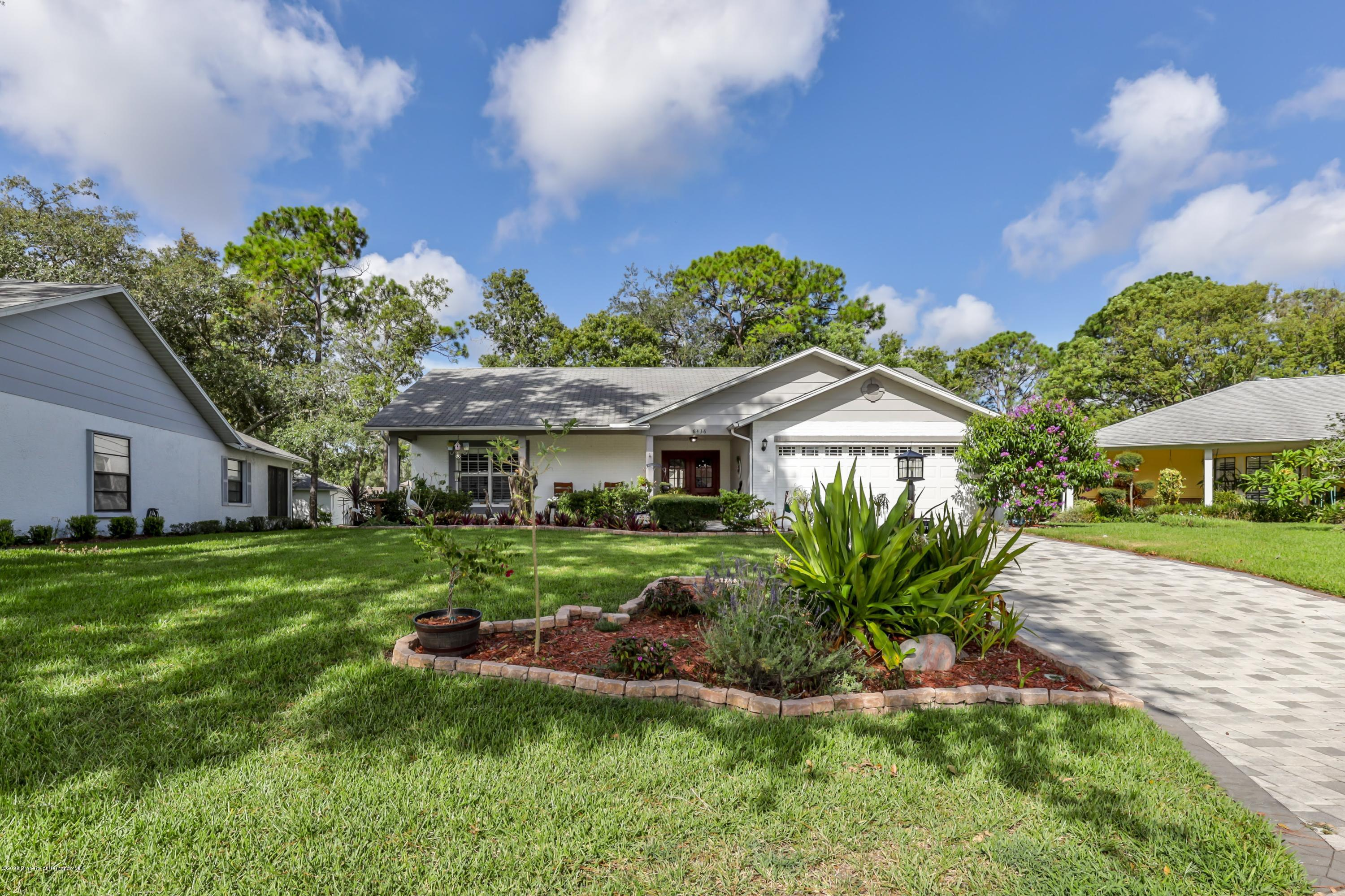 Listing photo id 7 for 6436 Lost Tree Lane