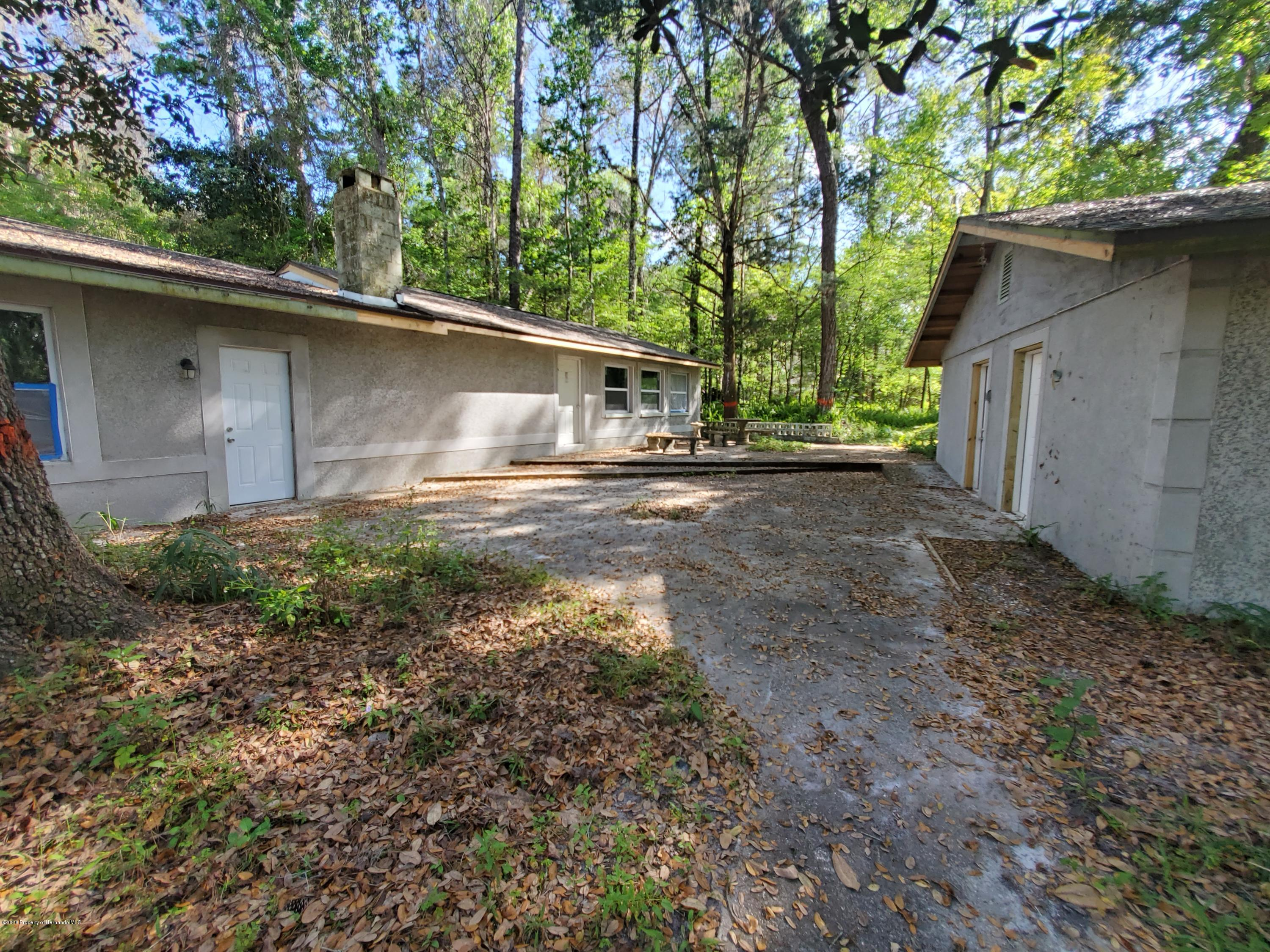 Listing photo id 19 for 7029 Cedar Lane