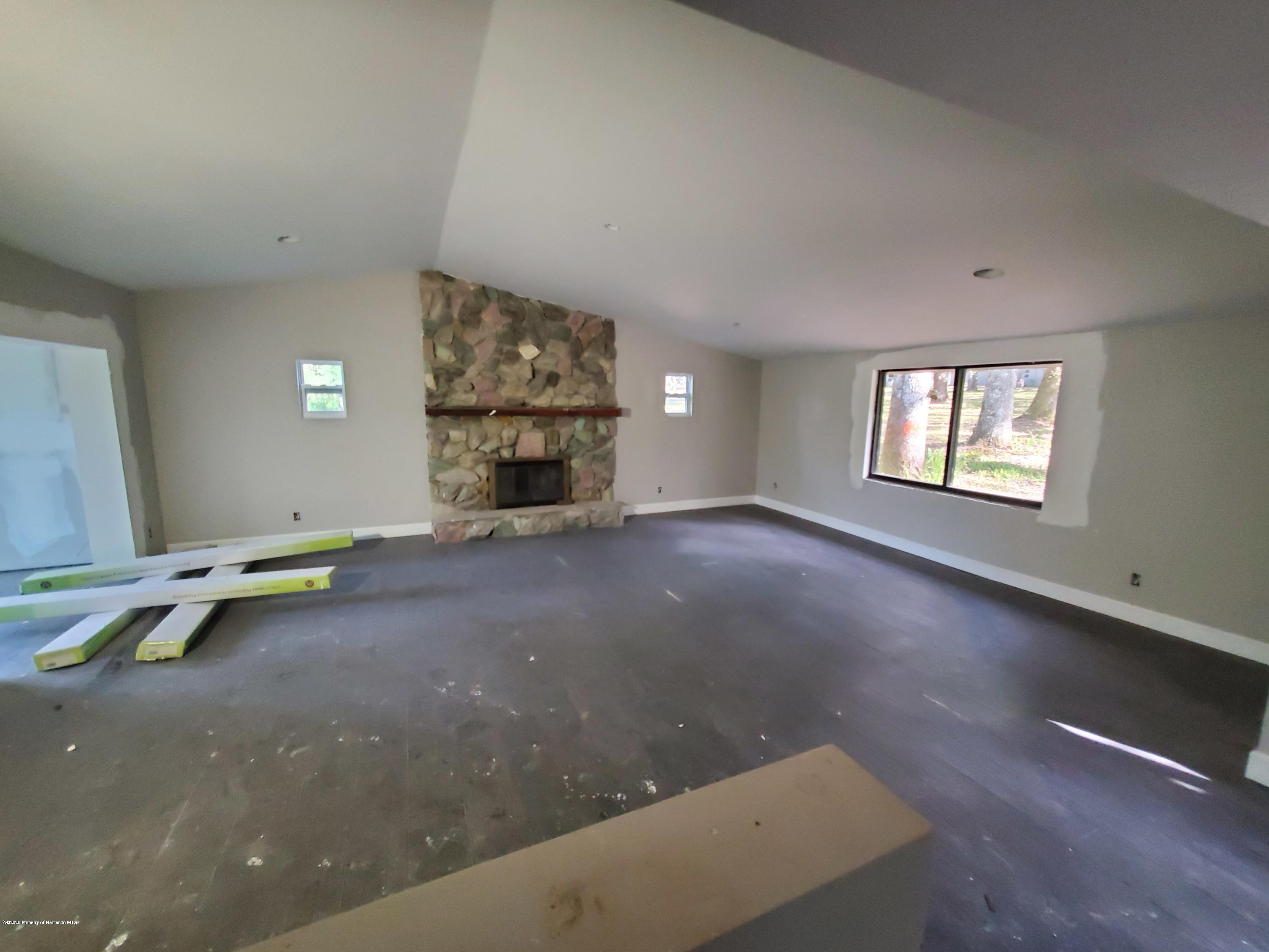 Listing photo id 61 for 7029 Cedar Lane