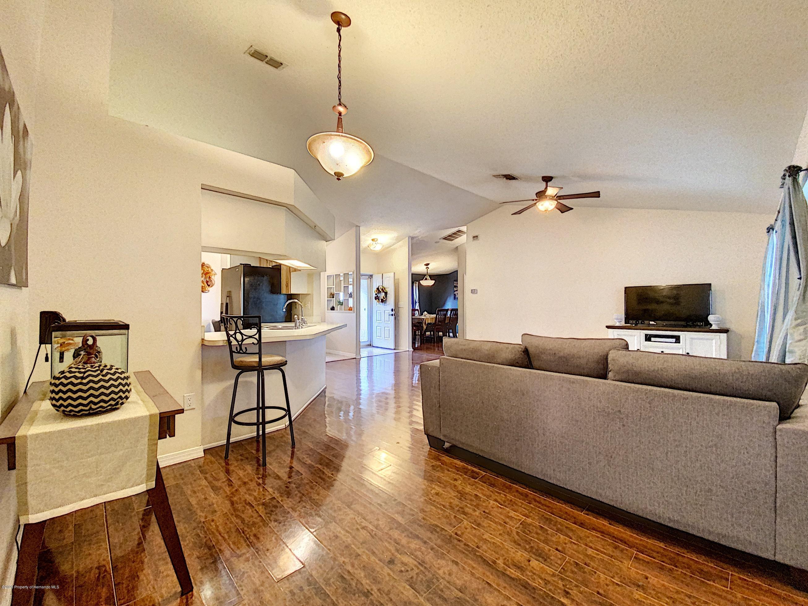 Image 5 For 515 Underwood Avenue
