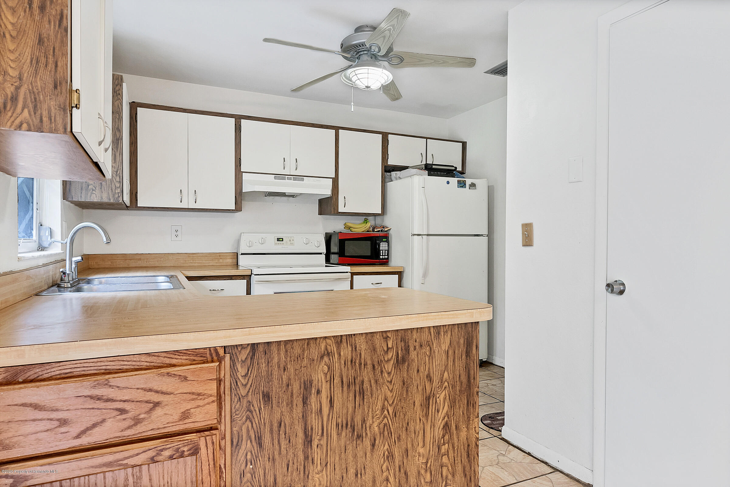 Image 14 For 3430 Lambert Avenue