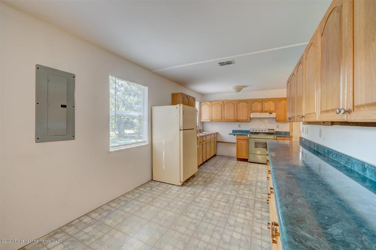 Listing photo id 8 for 9365 May Gold Lane