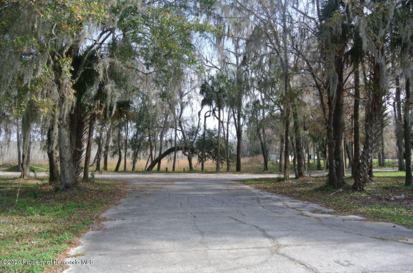 Listing photo id 18 for 13600 Ponce De Leon Boulevard