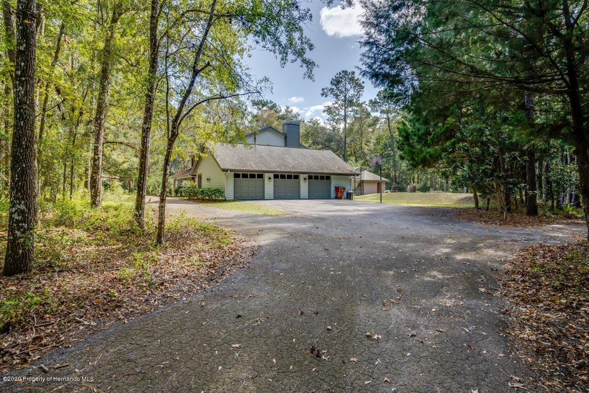 Listing photo id 75 for 25340 Withrow Road