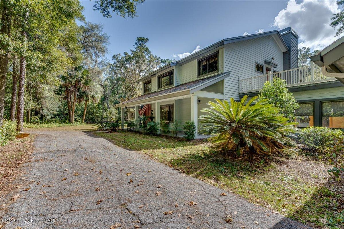 Listing photo id 78 for 25340 Withrow Road