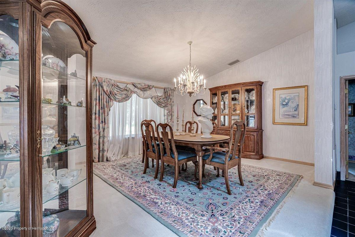 Listing photo id 14 for 25340 Withrow Road