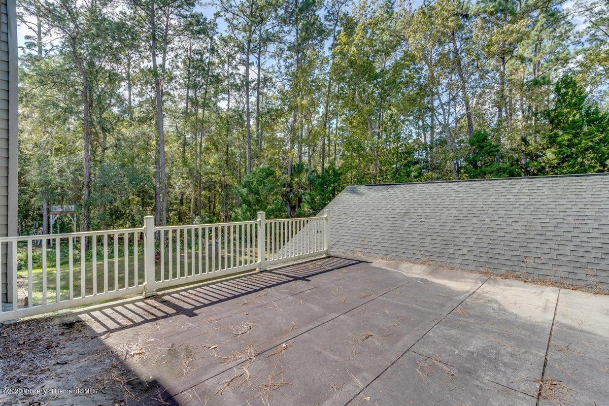 Listing photo id 49 for 25340 Withrow Road