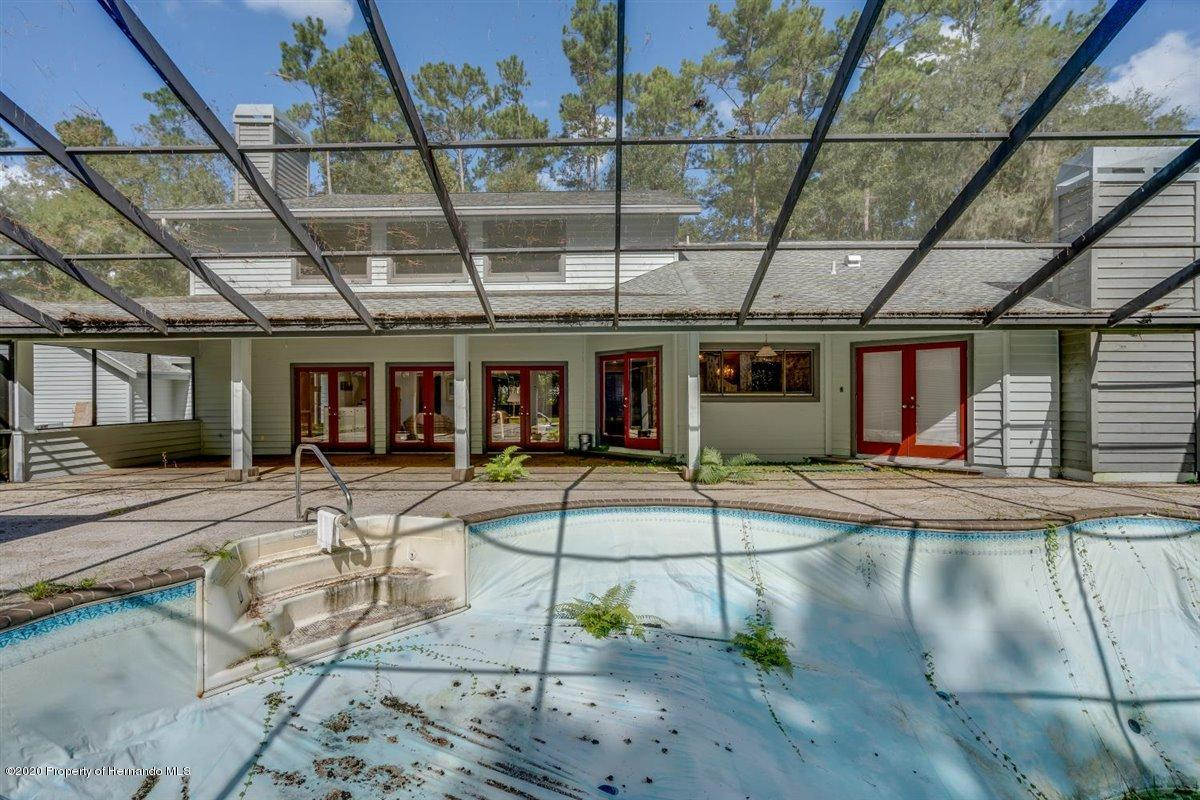 Listing photo id 61 for 25340 Withrow Road