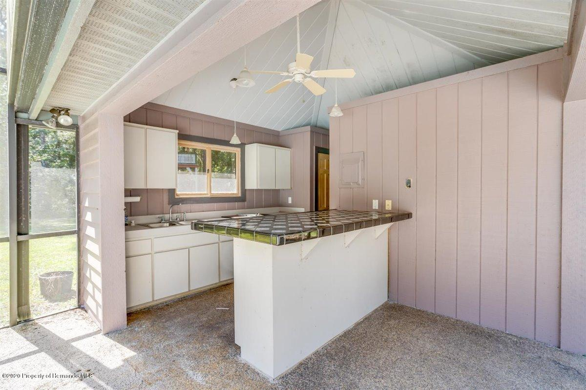 Listing photo id 63 for 25340 Withrow Road