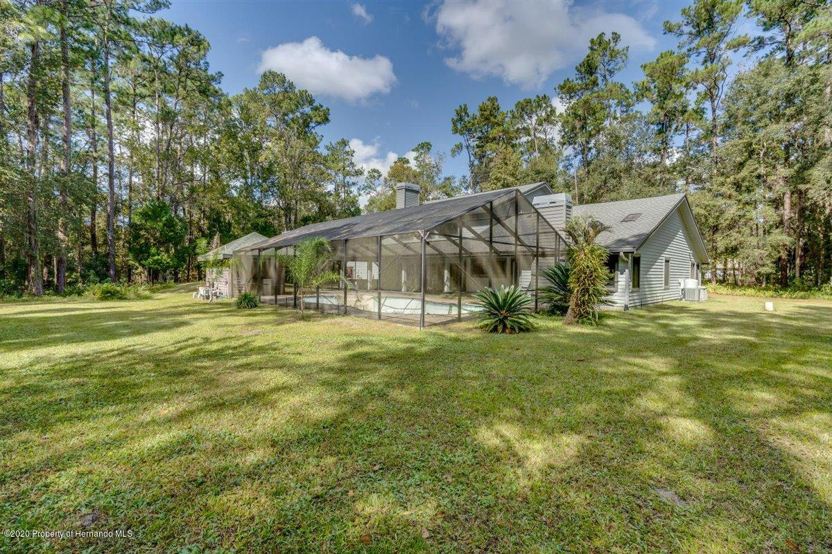 Listing photo id 66 for 25340 Withrow Road