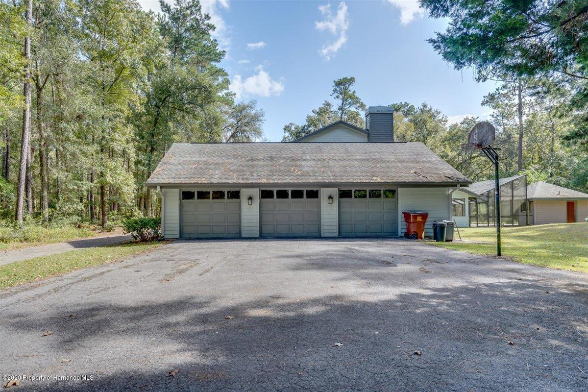 Listing photo id 76 for 25340 Withrow Road