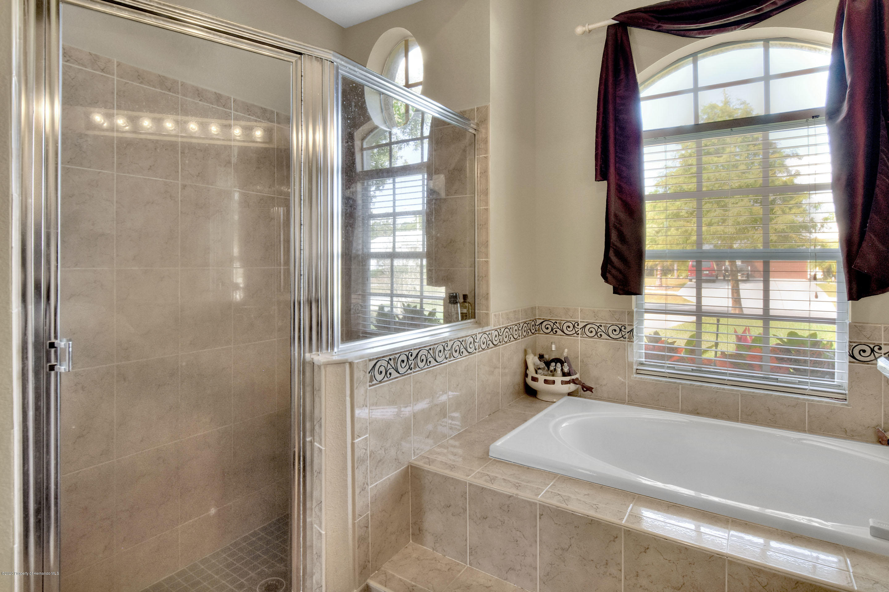 Listing photo id 26 for 13176 Enchantment Drive