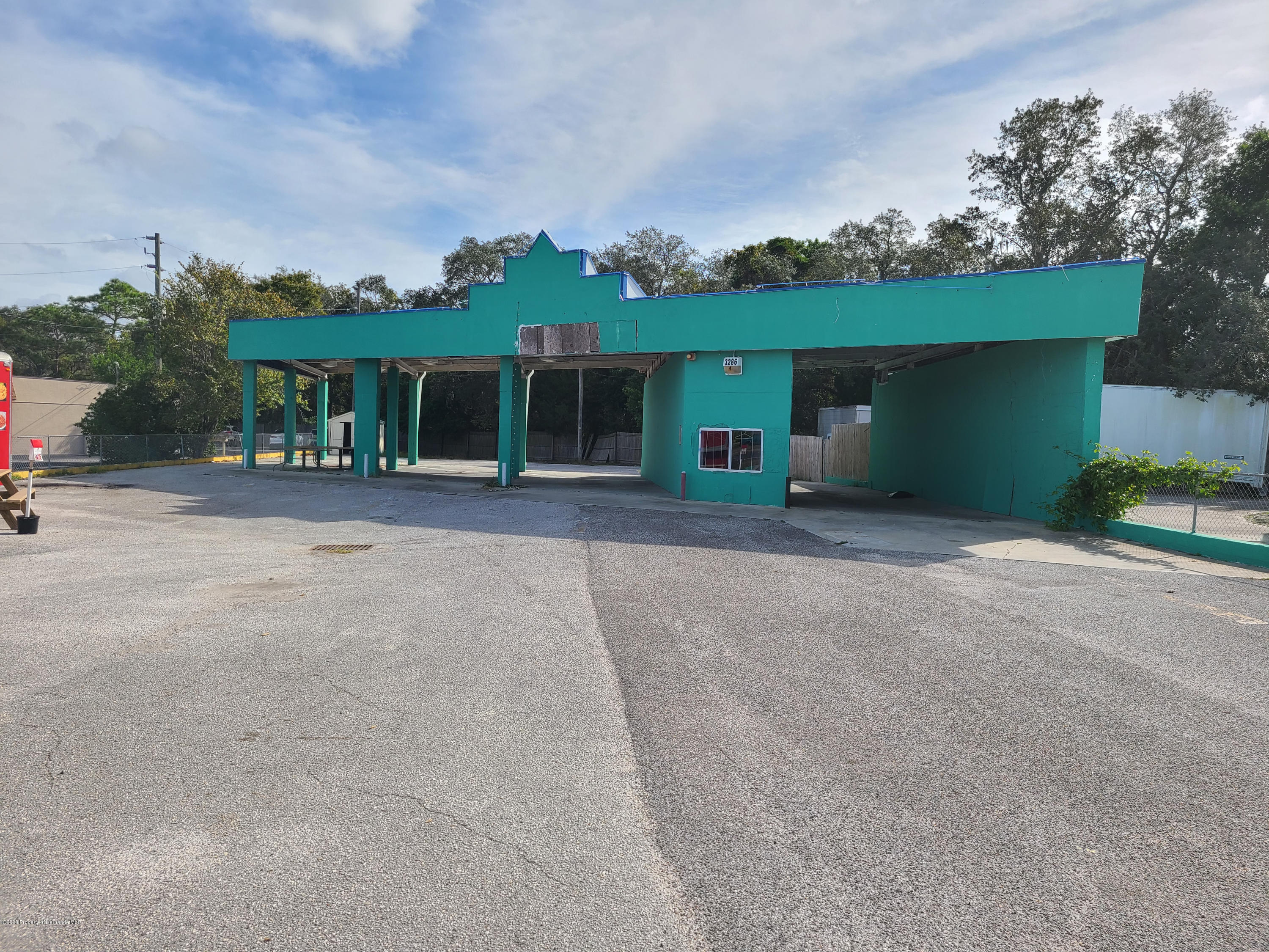 Details for 3286 Commercial Way, Spring Hill, FL 34606