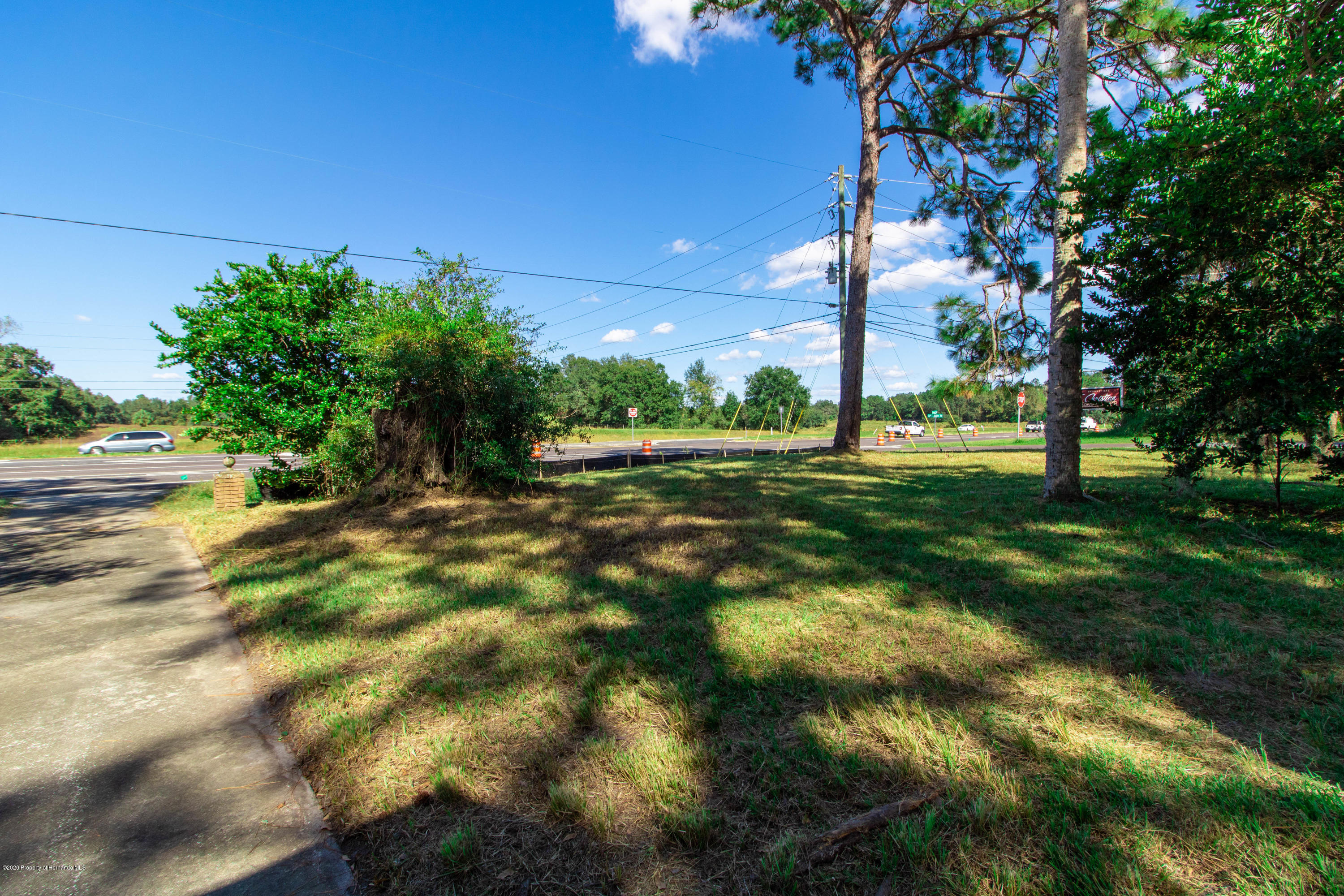 Listing photo id 8 for 17166 Cortez Boulevard