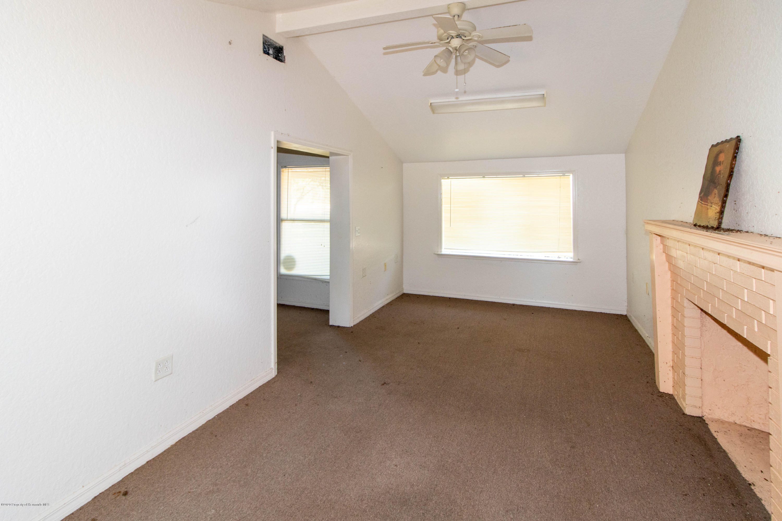 Listing photo id 13 for 17166 Cortez Boulevard