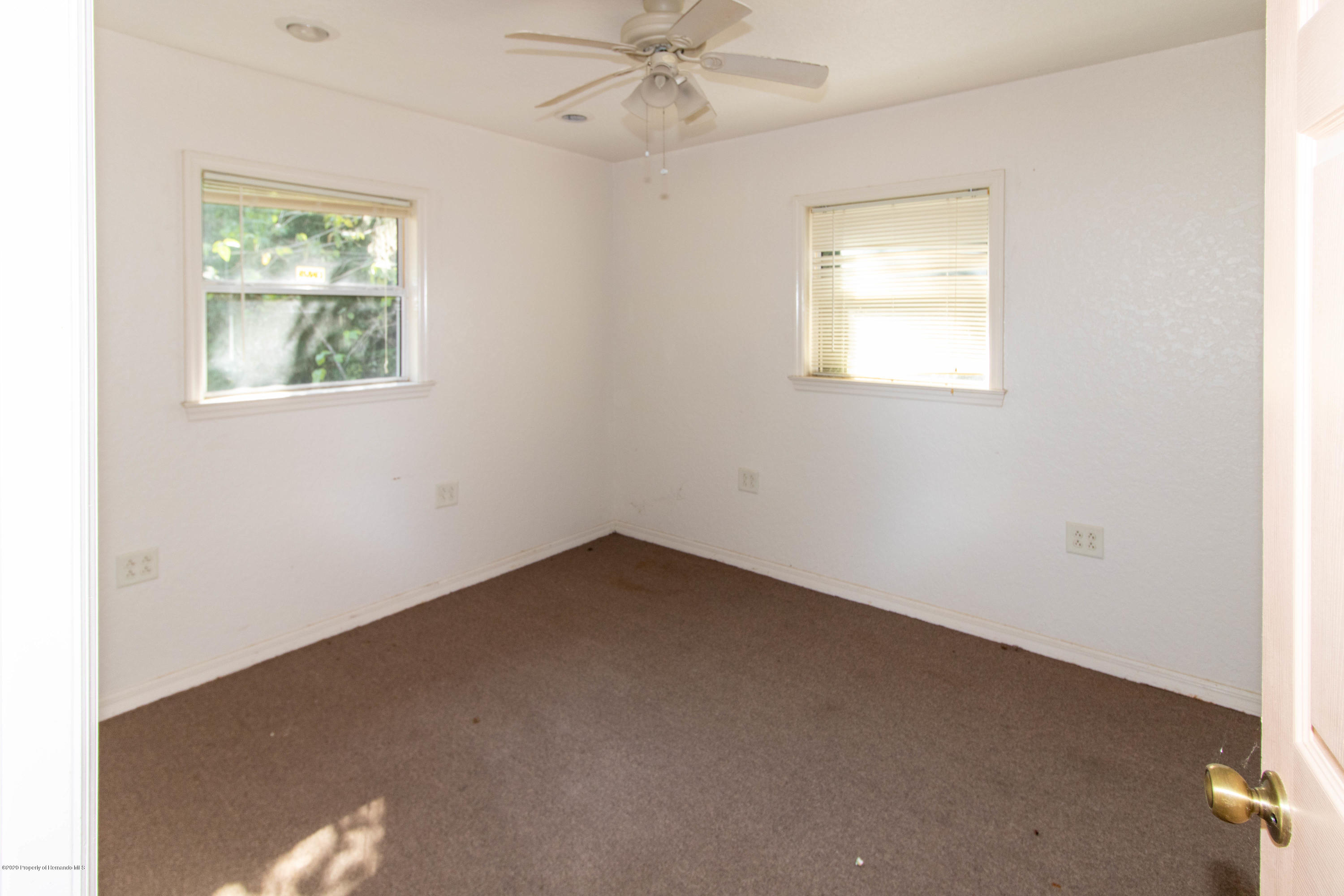 Listing photo id 19 for 17166 Cortez Boulevard