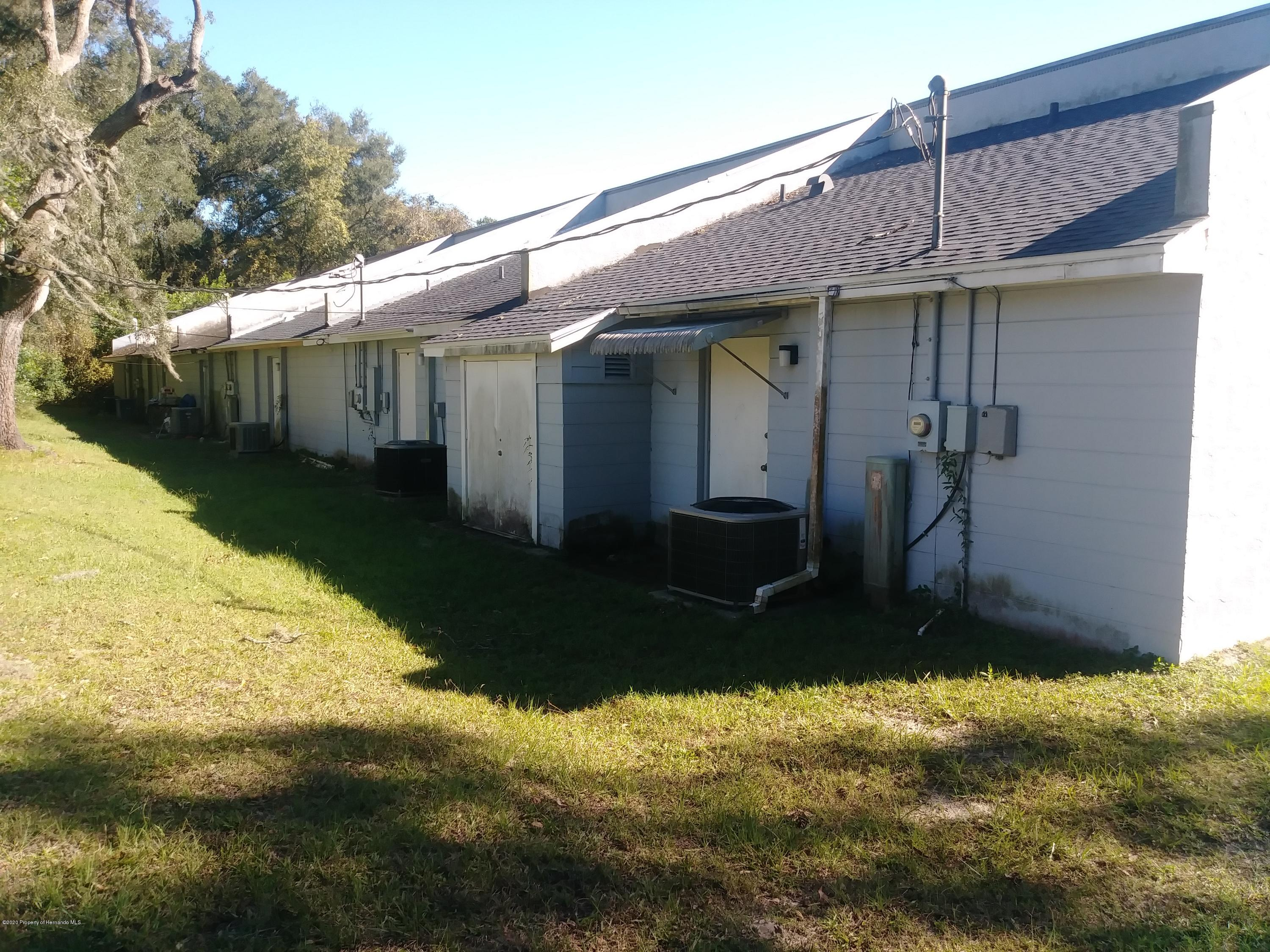 Listing photo id 8 for 33277 Cortez Boulevard