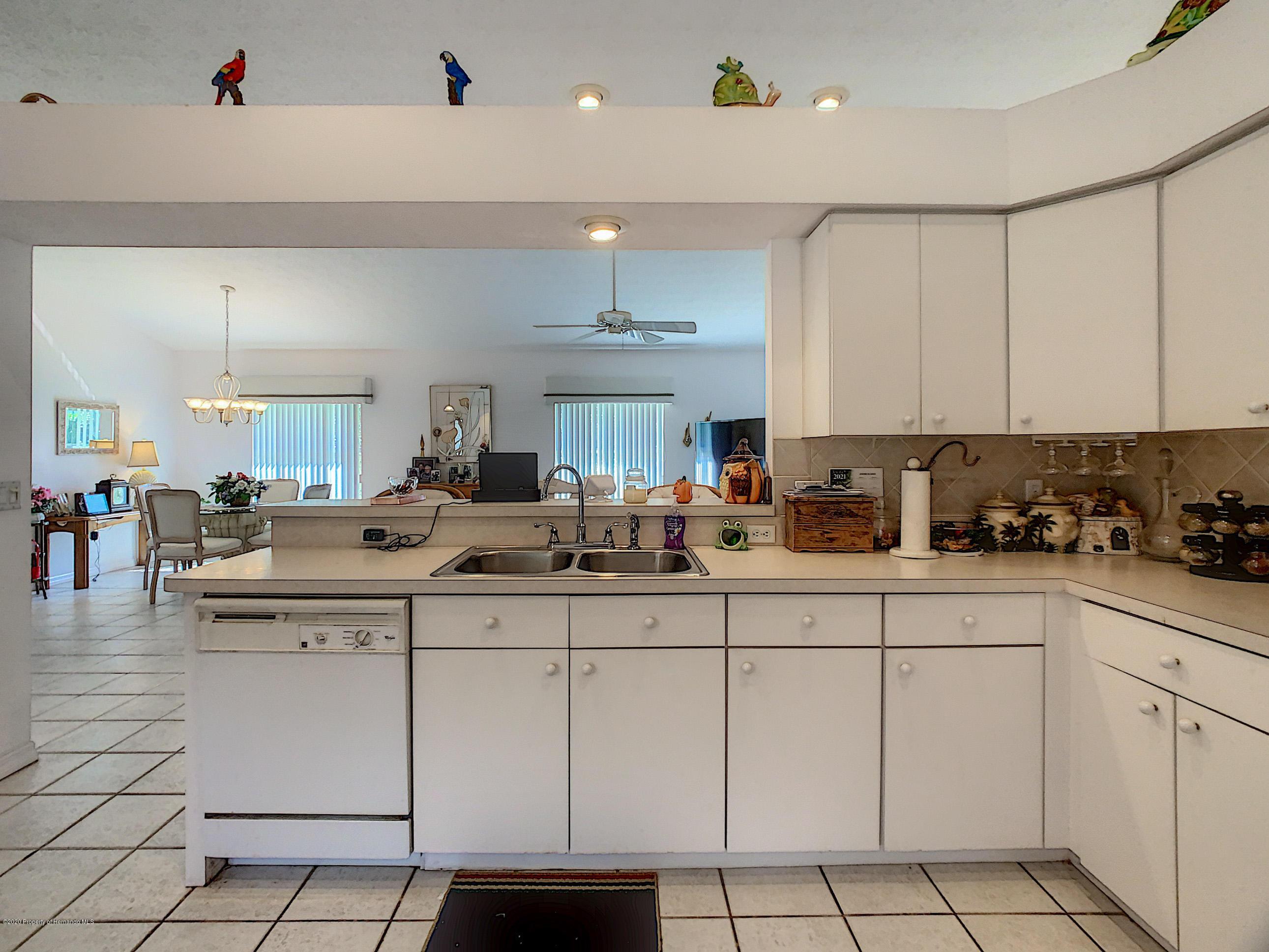 Lisitng Image number23 for 6301 N Misty Oak Terrace