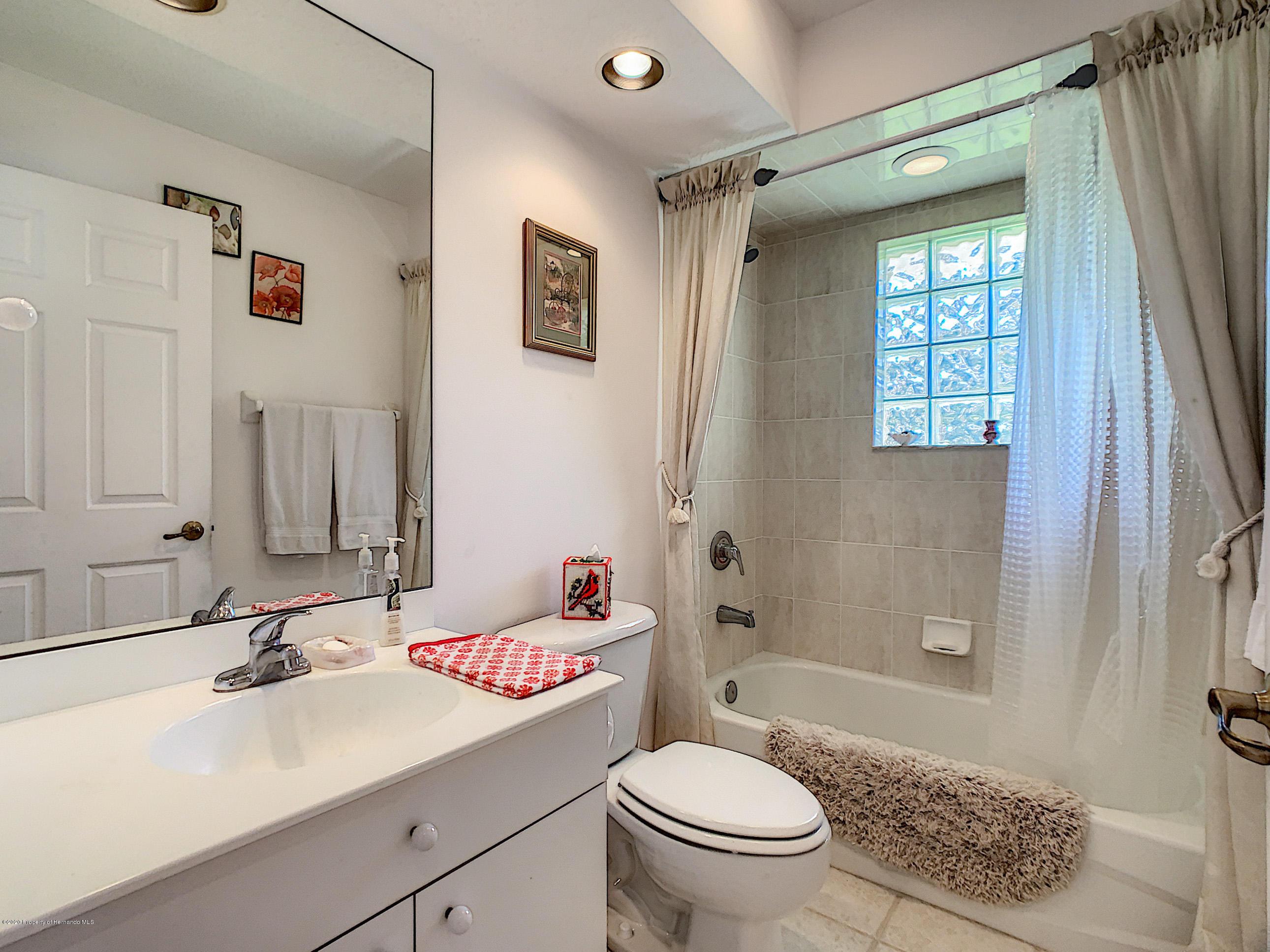 Lisitng Image number41 for 6301 N Misty Oak Terrace