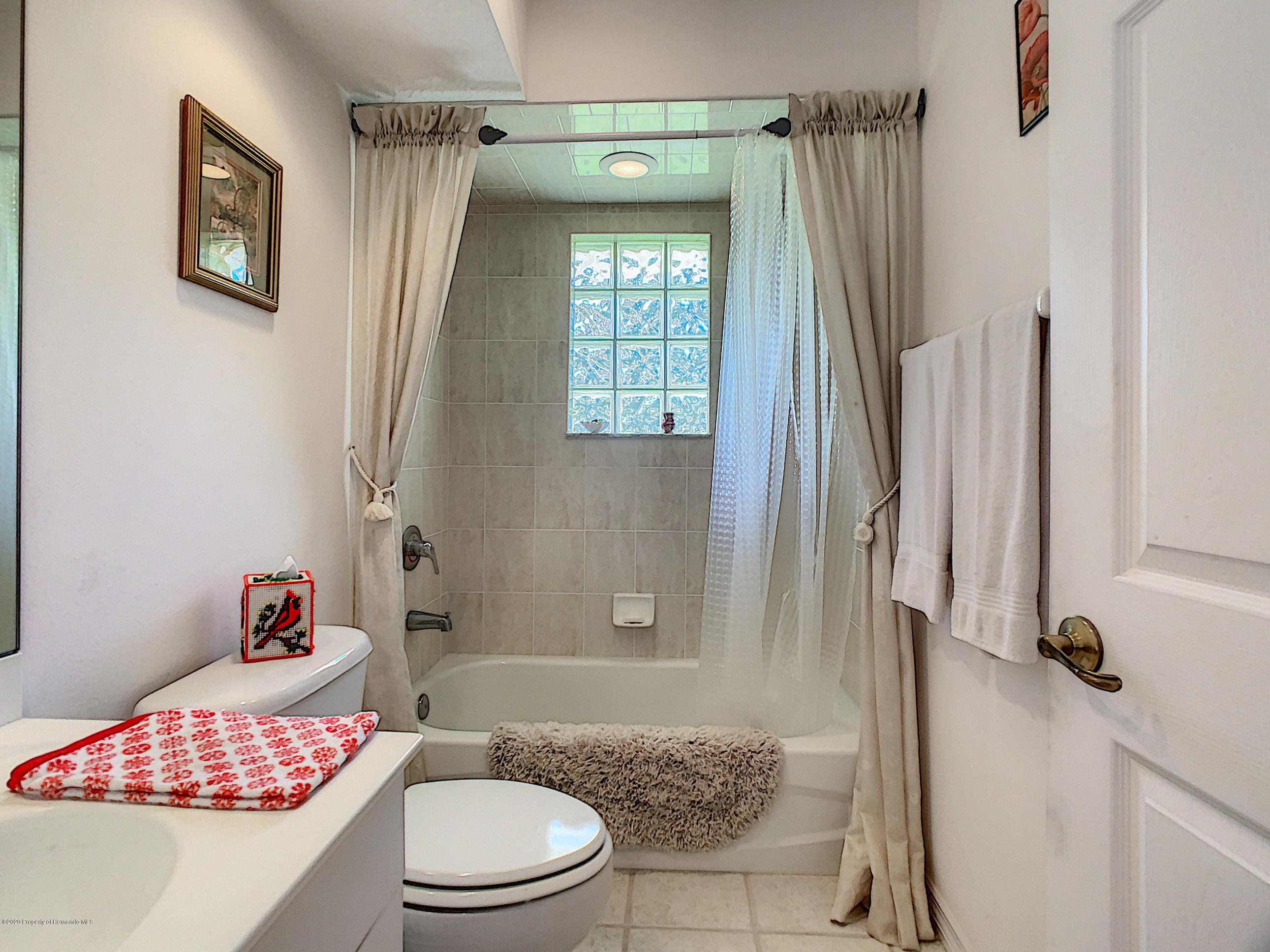 Lisitng Image number42 for 6301 N Misty Oak Terrace