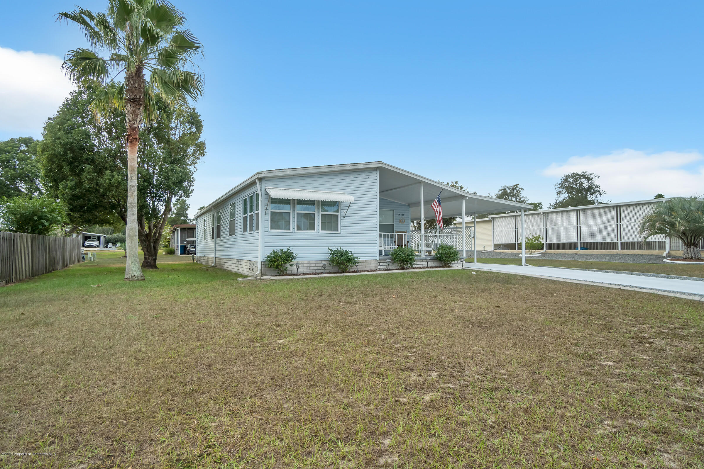 Listing photo id 2 for 14320 Evermore Street