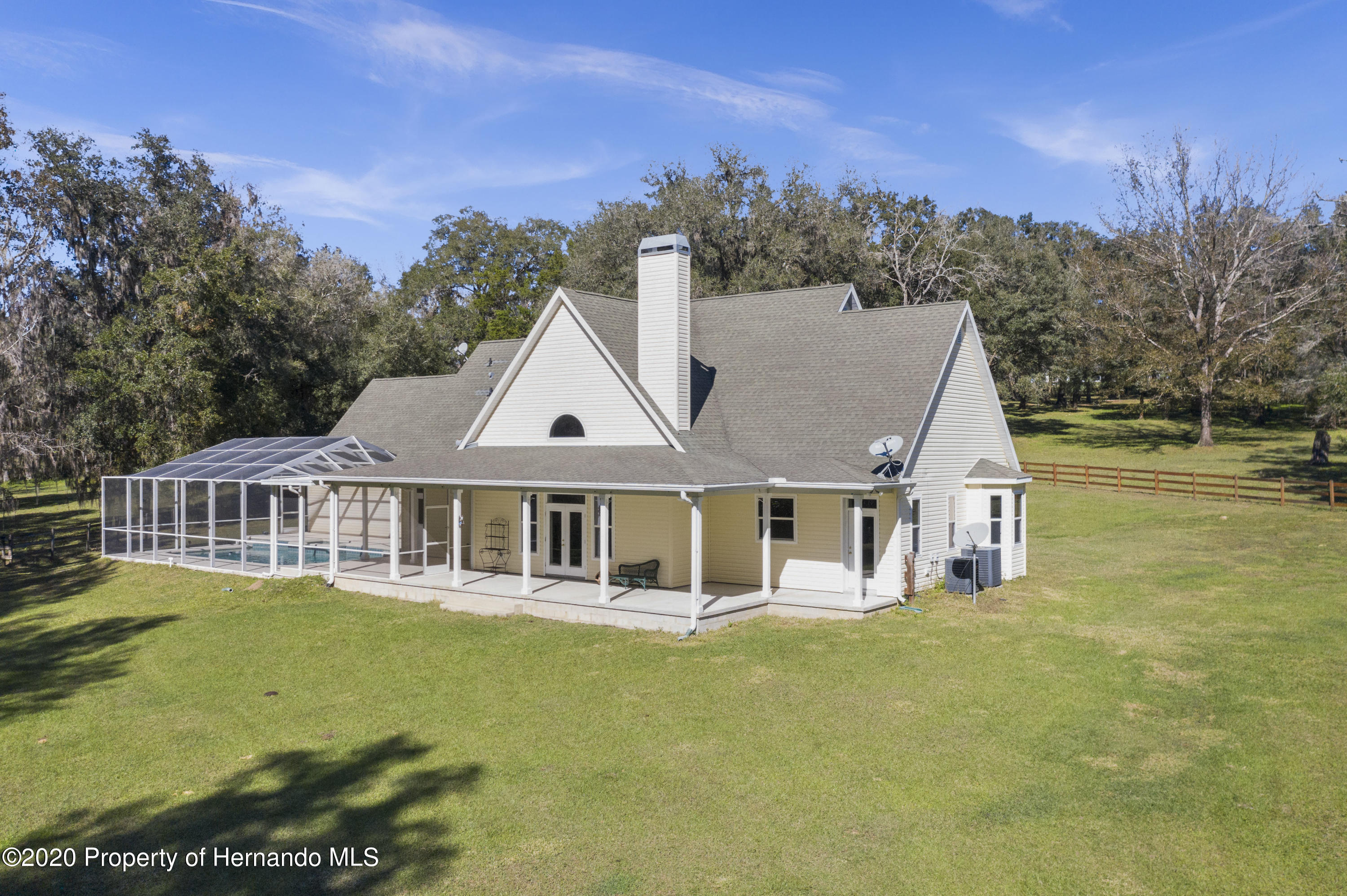 Listing photo id 9 for 27028 Ernest Lee Road
