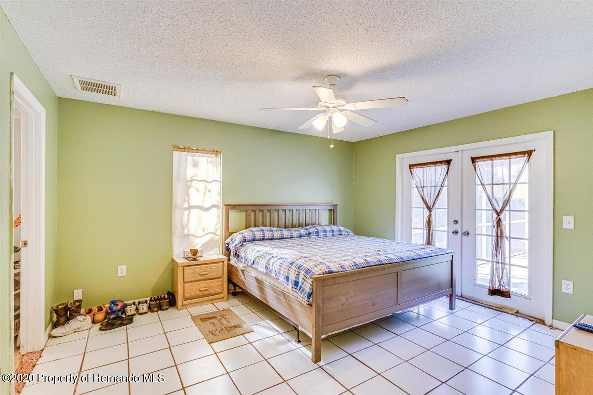 Listing photo id 20 for 6341 Gainsboro Avenue