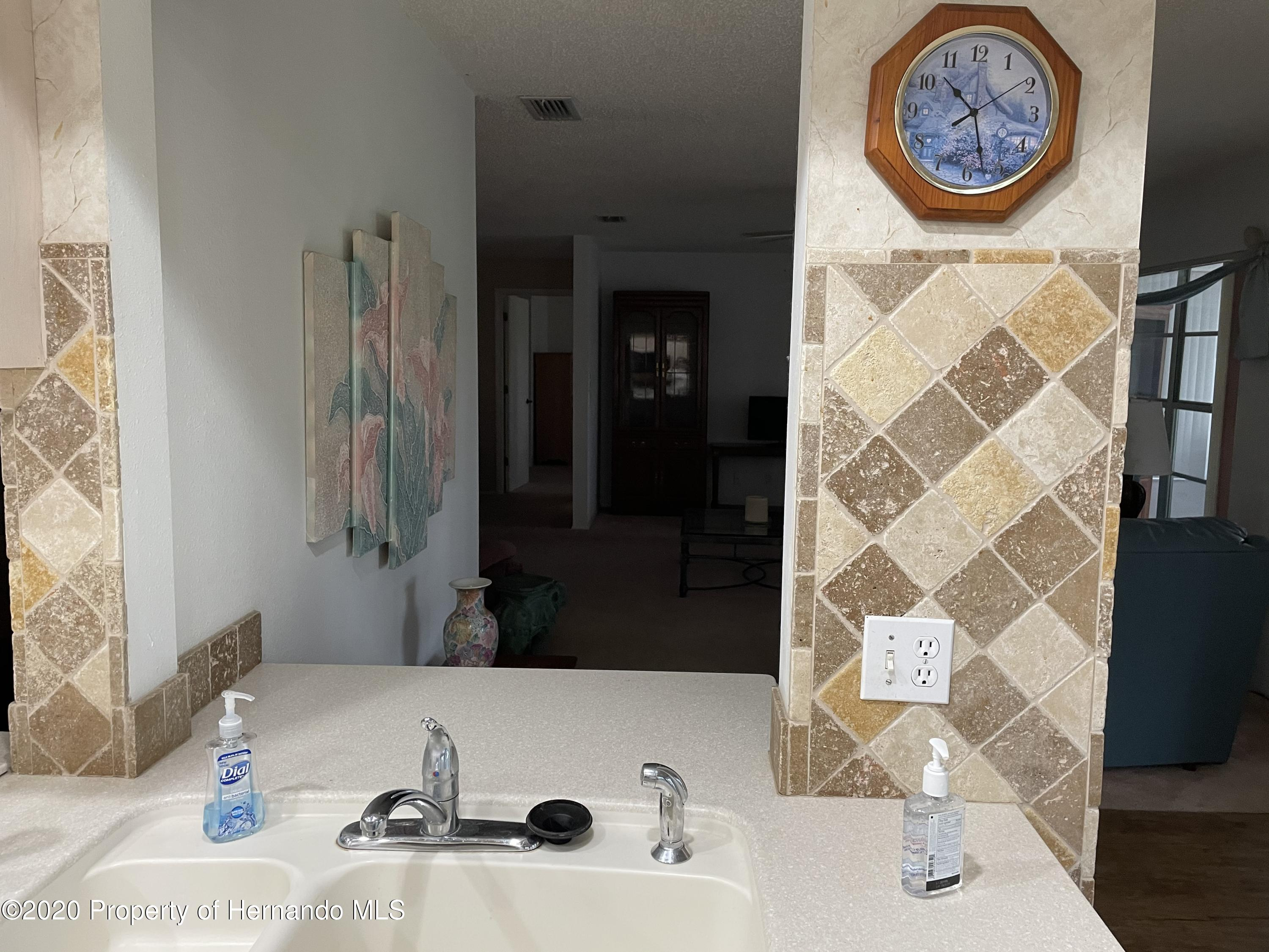 Listing photo id 12 for 3064 Saw Mill Lane