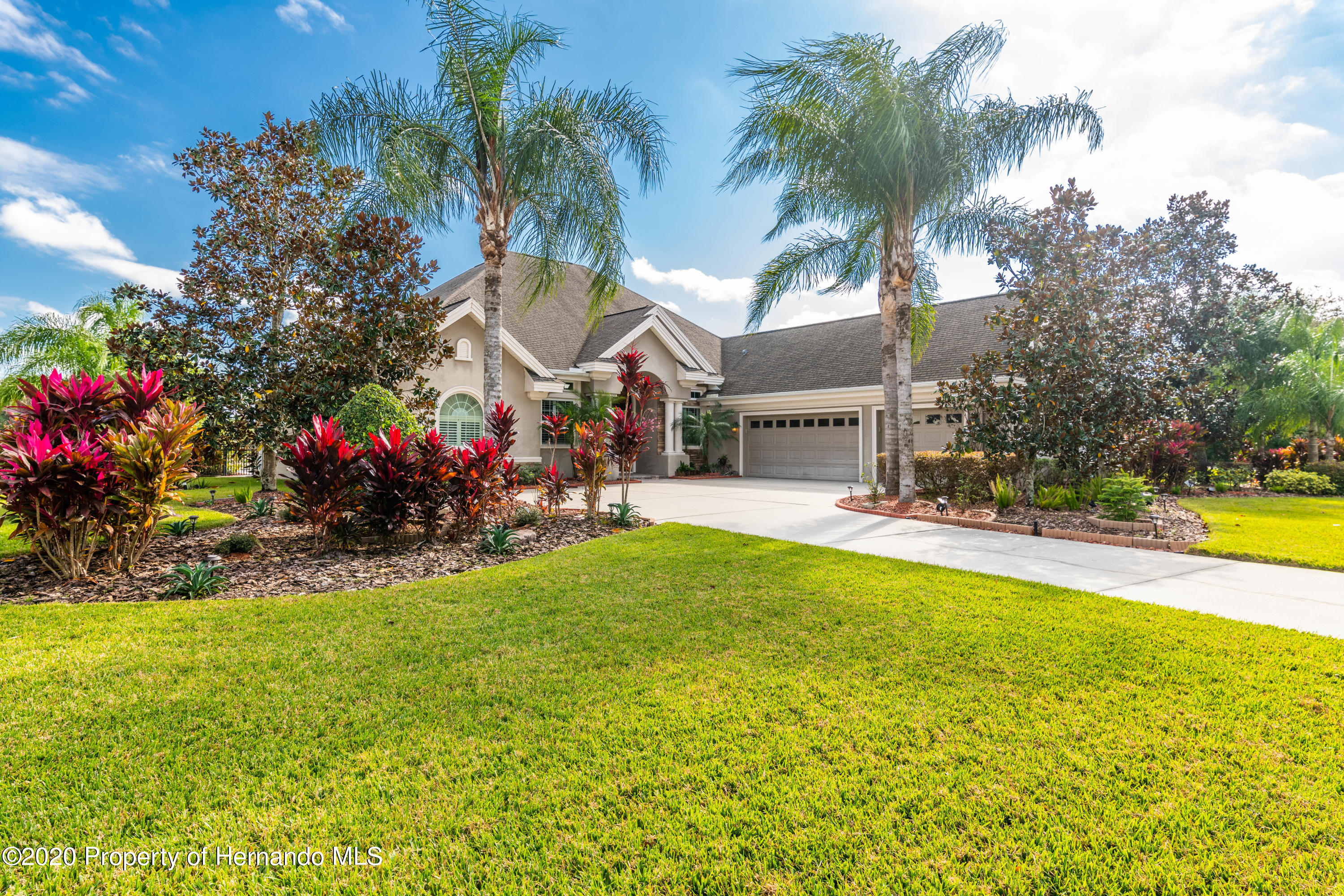 Listing Details for 1646 Lake Polo Drive, Odessa, FL 33556