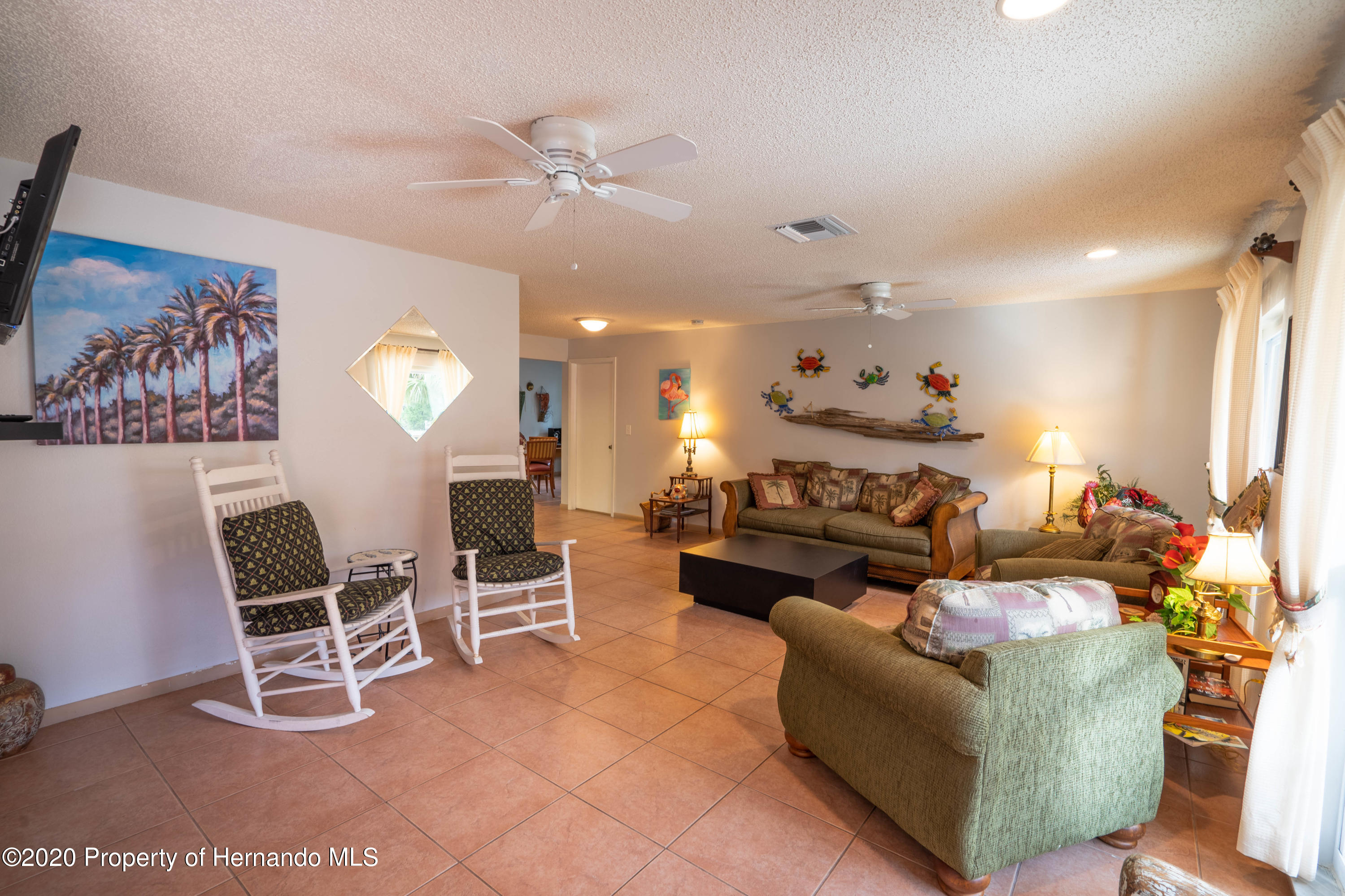 Listing photo id 20 for 6107 Avenue Of The Palms