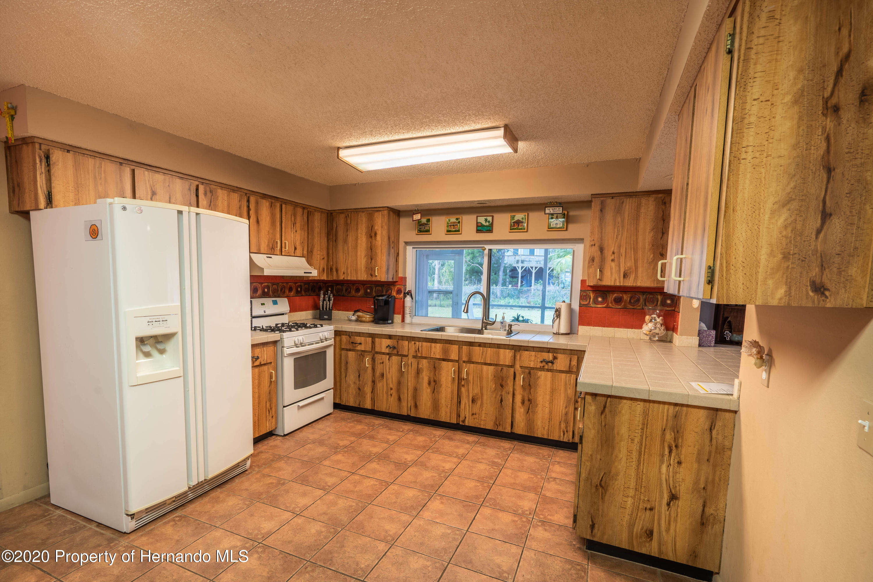 Listing photo id 24 for 6107 Avenue Of The Palms